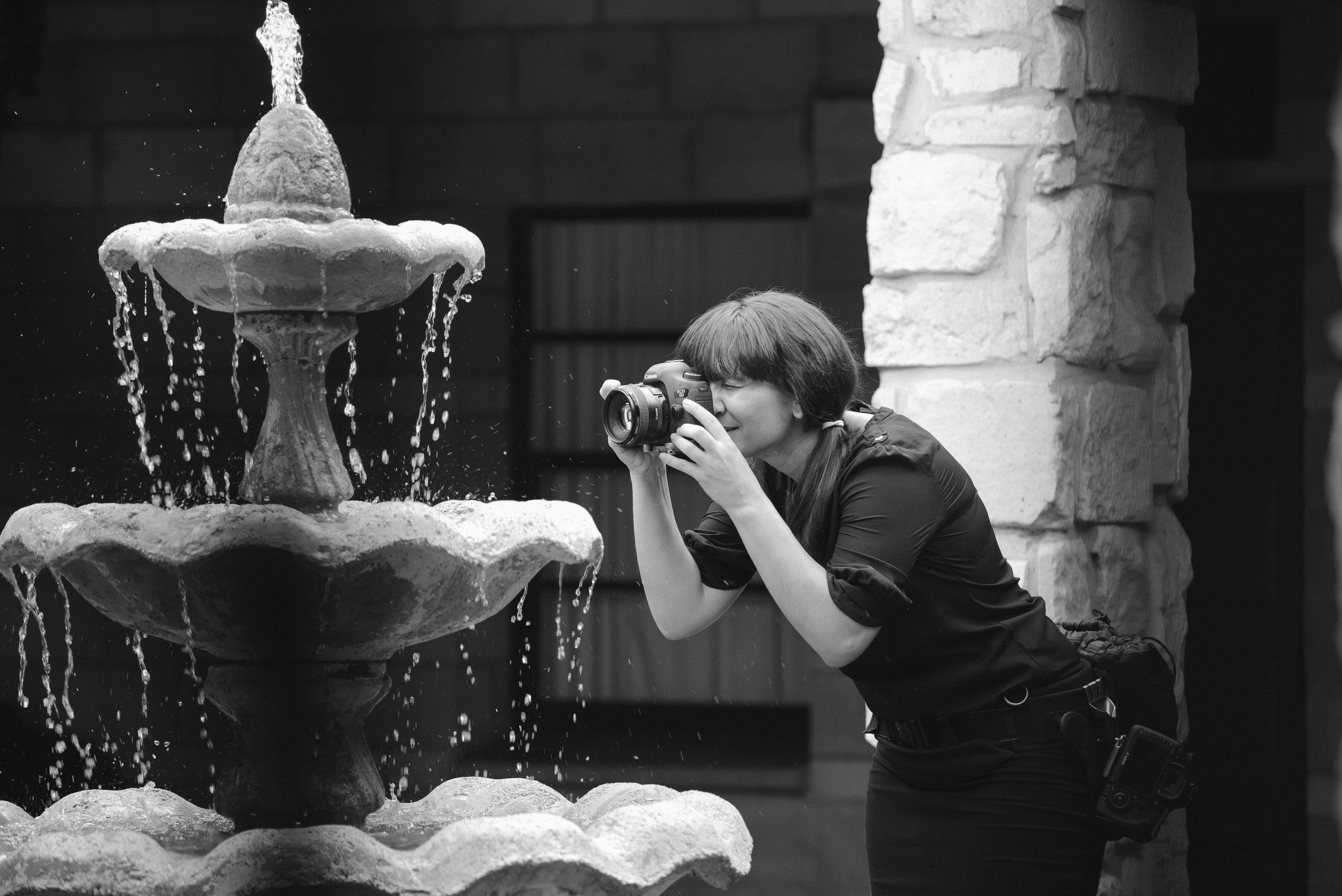 creative-wedding-photographer-destination-tiny-house-photo-stephanie-lynn-studios.jpg