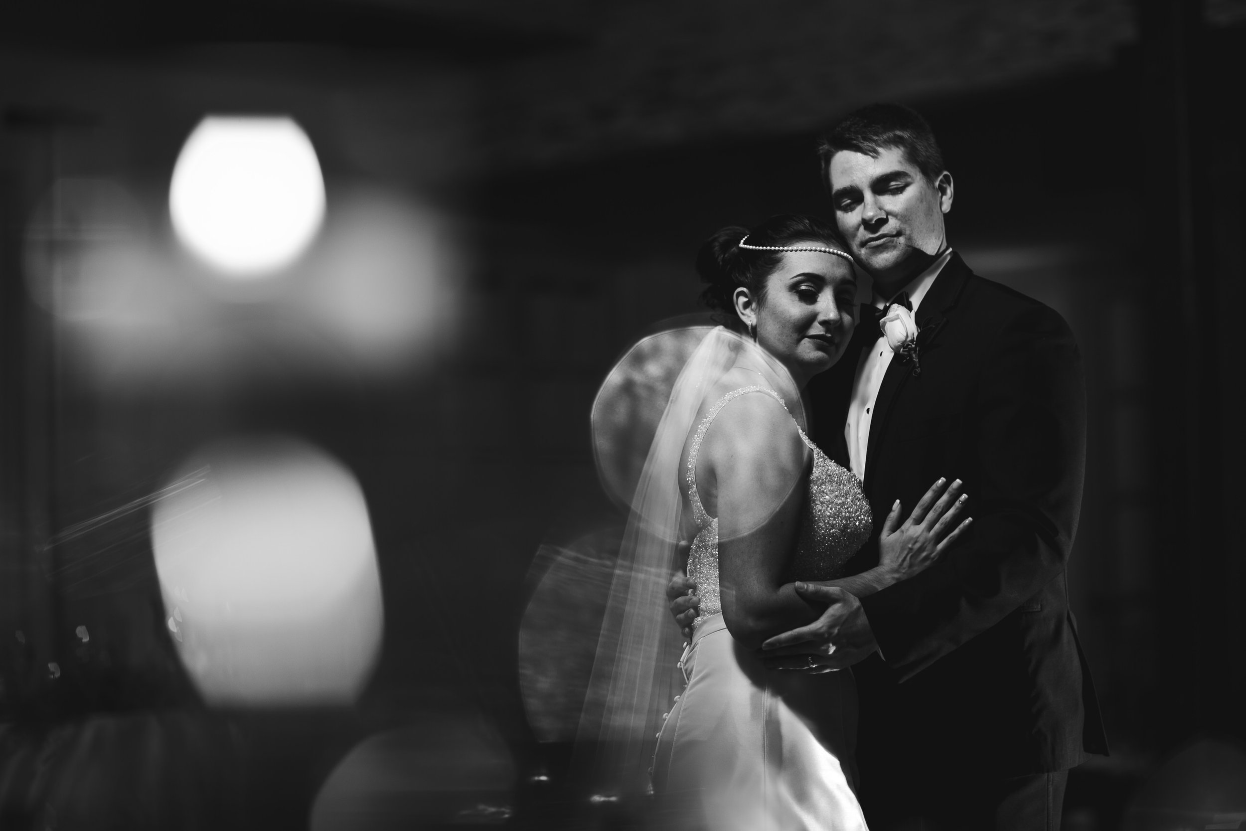 timless_classic_wedding_photography_tiny_house_photo_bride_groom_black_and_white.jpg