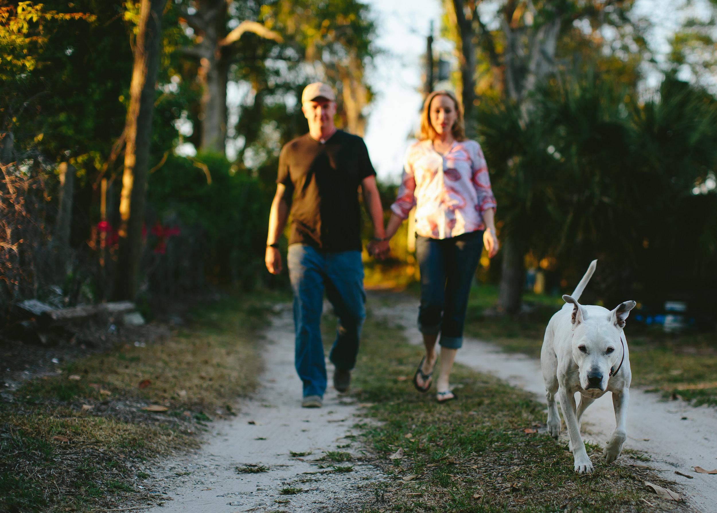 walking_the_dog_love_story_deaf_dog_apopka_wedding_photographer.jpg