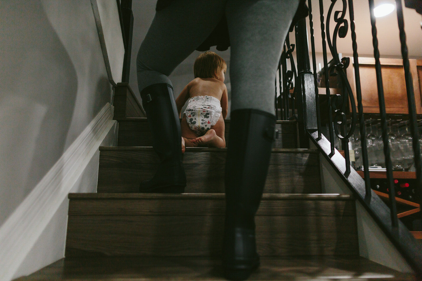 toddler portrait session documentary tiny house photo toddler climbing stairs