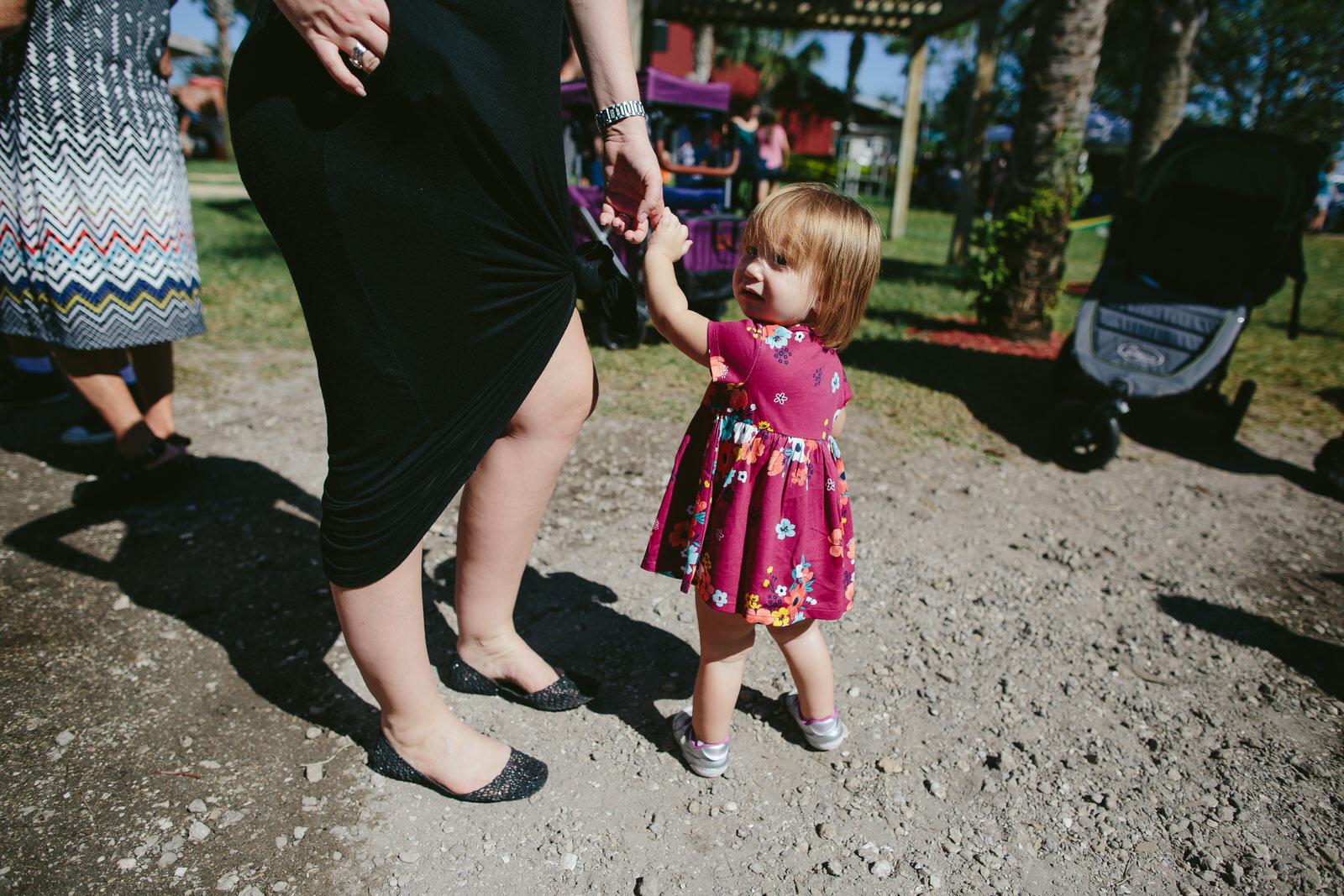 family_documentary_photography_tiny_house_photo_bedners_farmers_market_florida-40.jpg