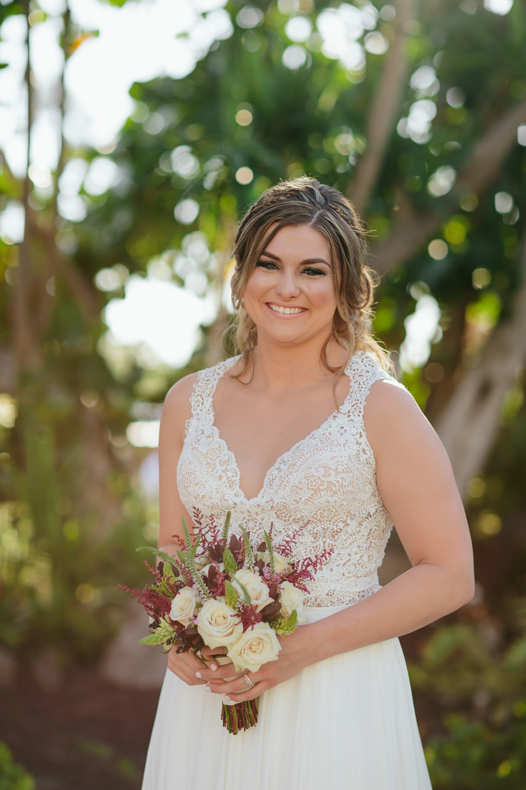 amazing_bridal_portrait_bouquet_beautiful.jpg