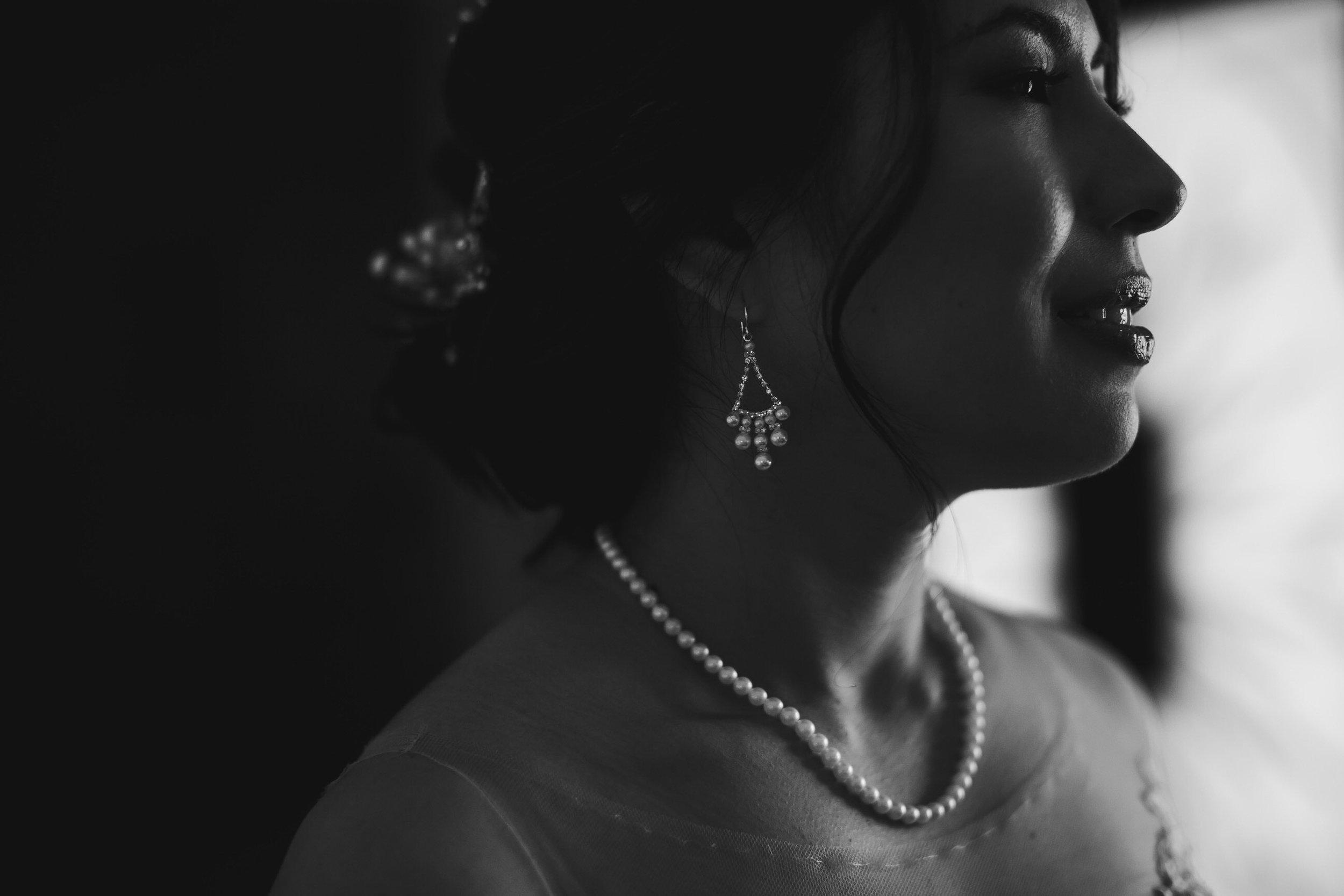 gorgeous_bridal_jewelery_tiny_house_photo_stephanie_lynn_studios.jpg