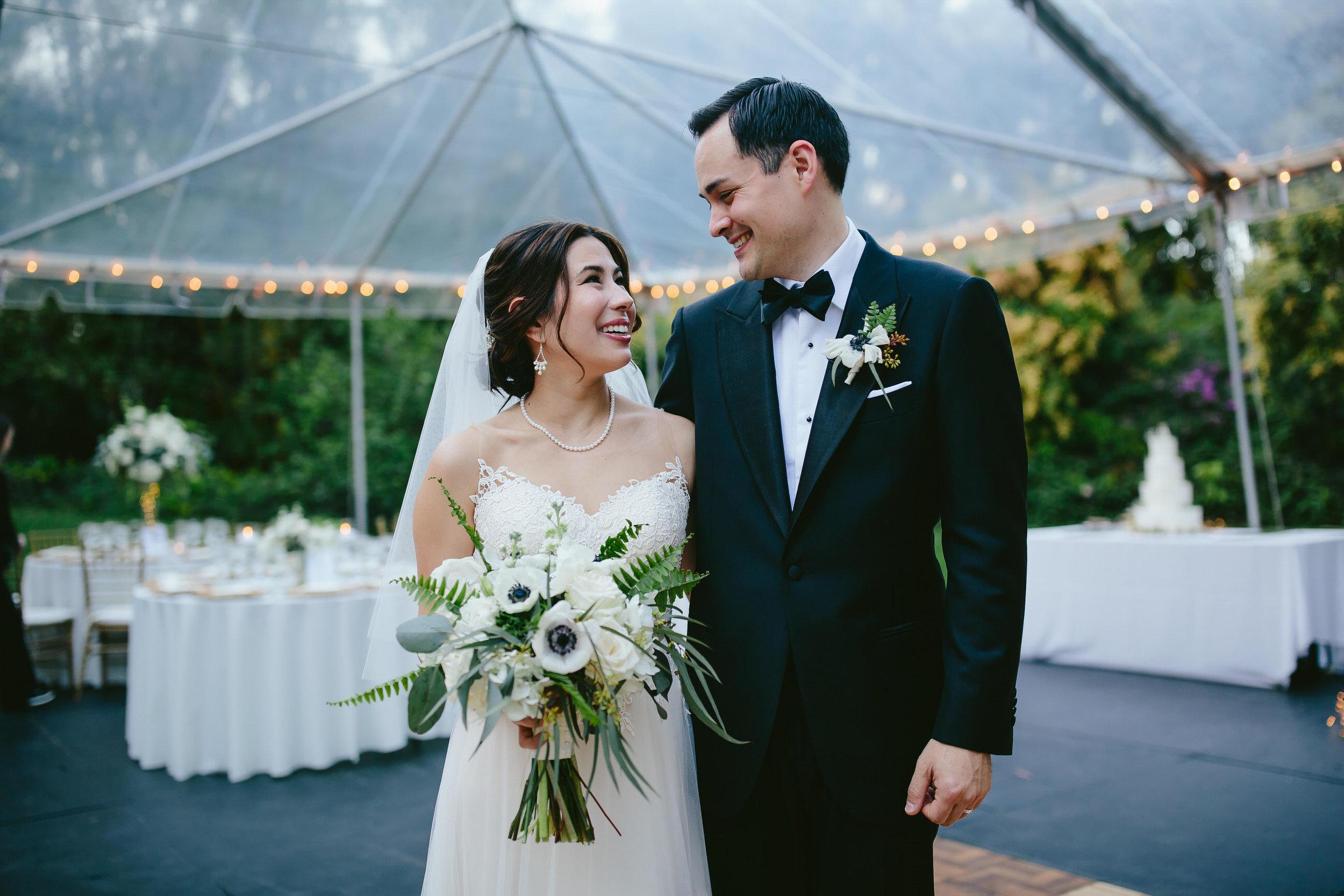 cutest_backyard_wedding_tiny_house_photo_bride_groom_couple_love.jpg
