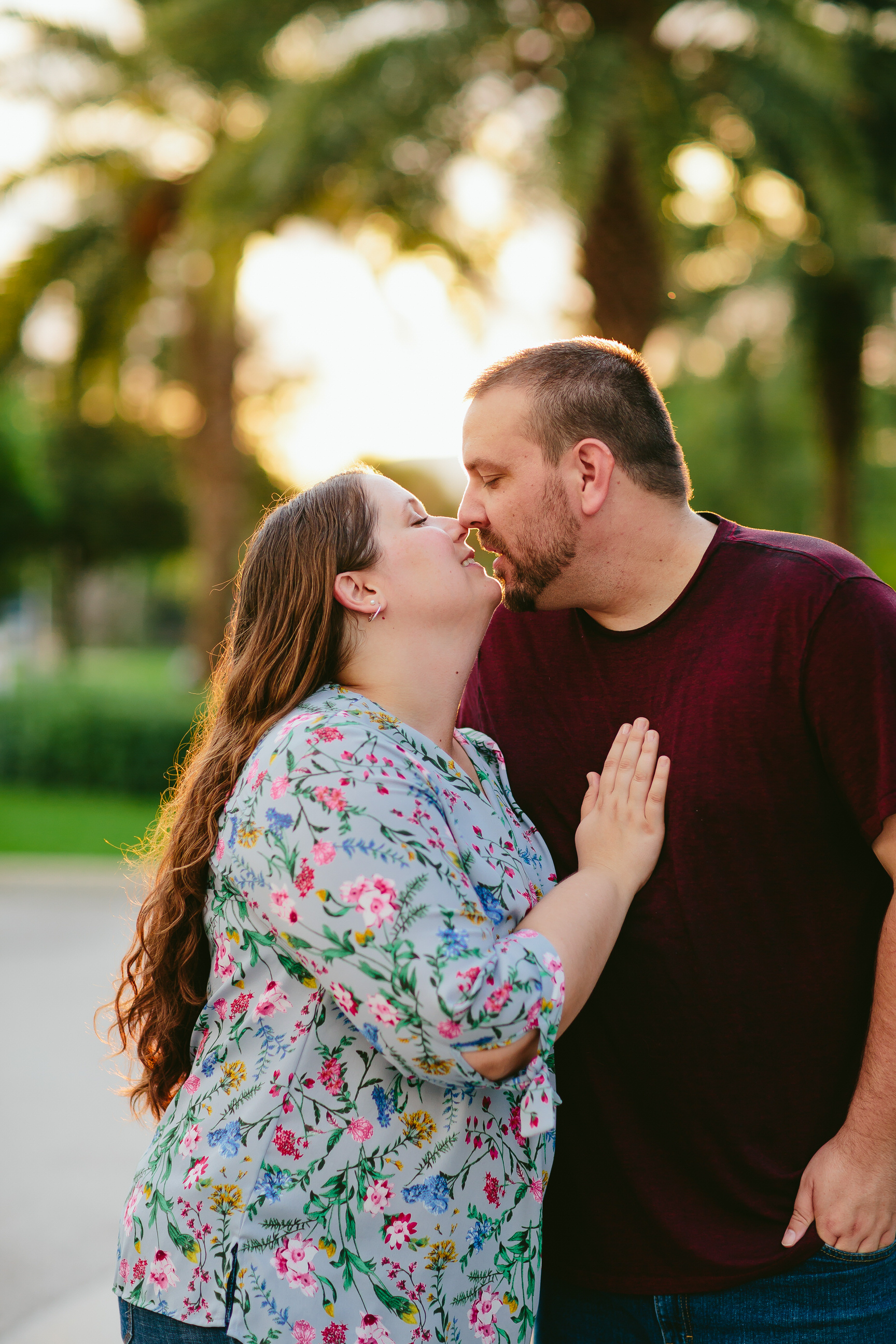 Kissing_Romantic_Couple_Love_FAU_Owls.jpg