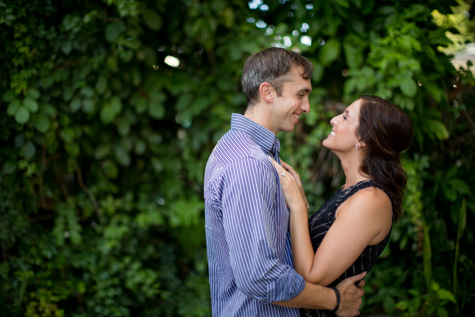 fun-photography-for-couples-in-love-tiny-house-photo.jpg