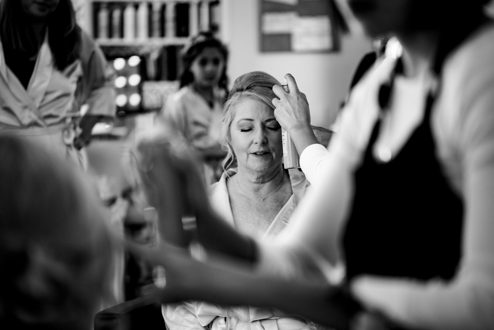 getting_ready_salon_wedding_day_stuart_wedding_photographer-26.jpg