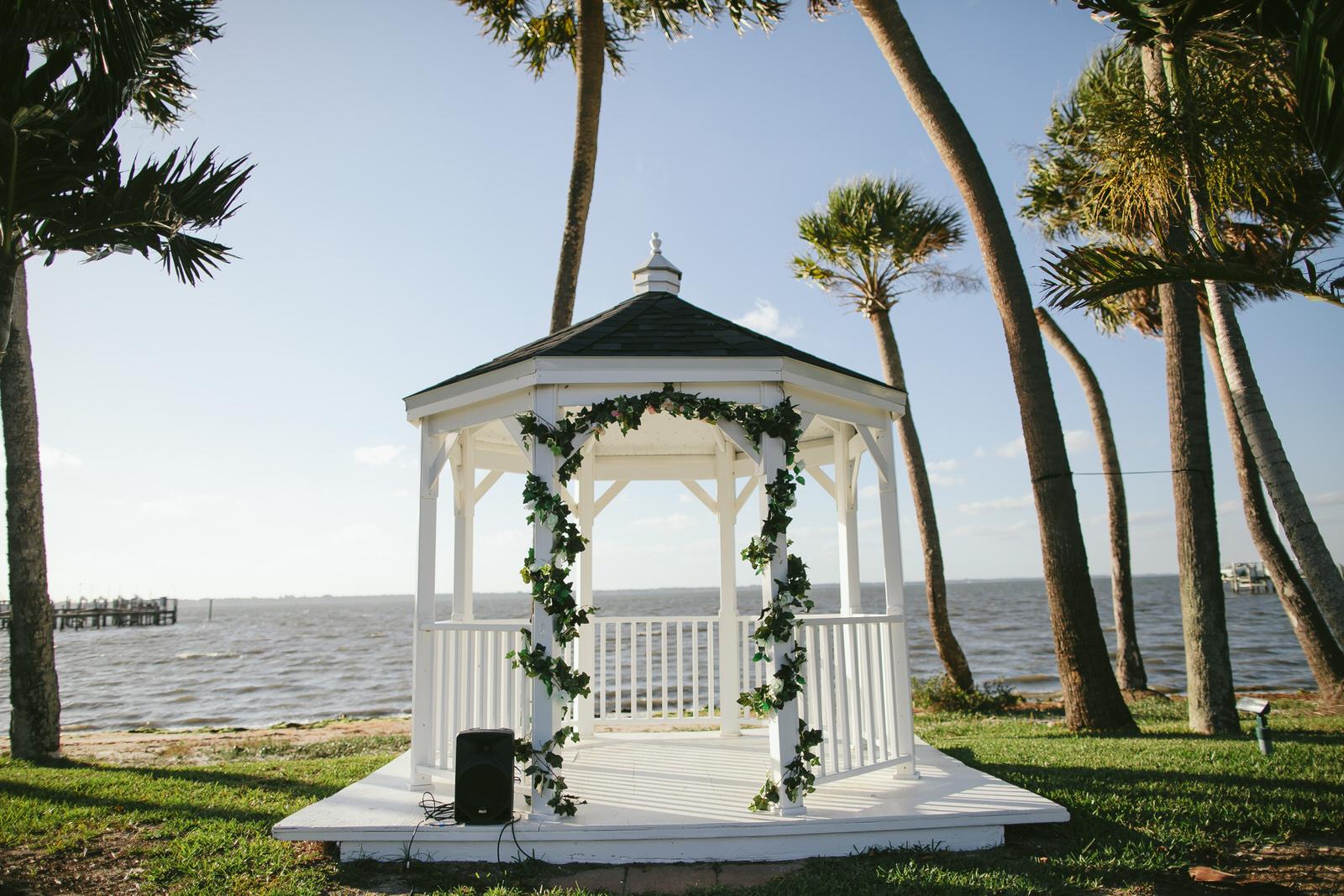 jensen_beach_wedding_ceremony-14.jpg