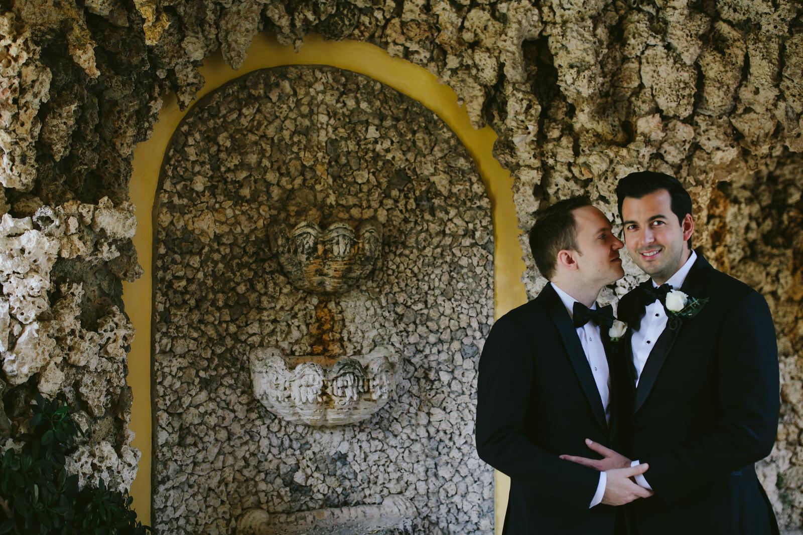 vizcaya_elopement_intimate_wedding_portraits_tiny_house_photo-16.jpg