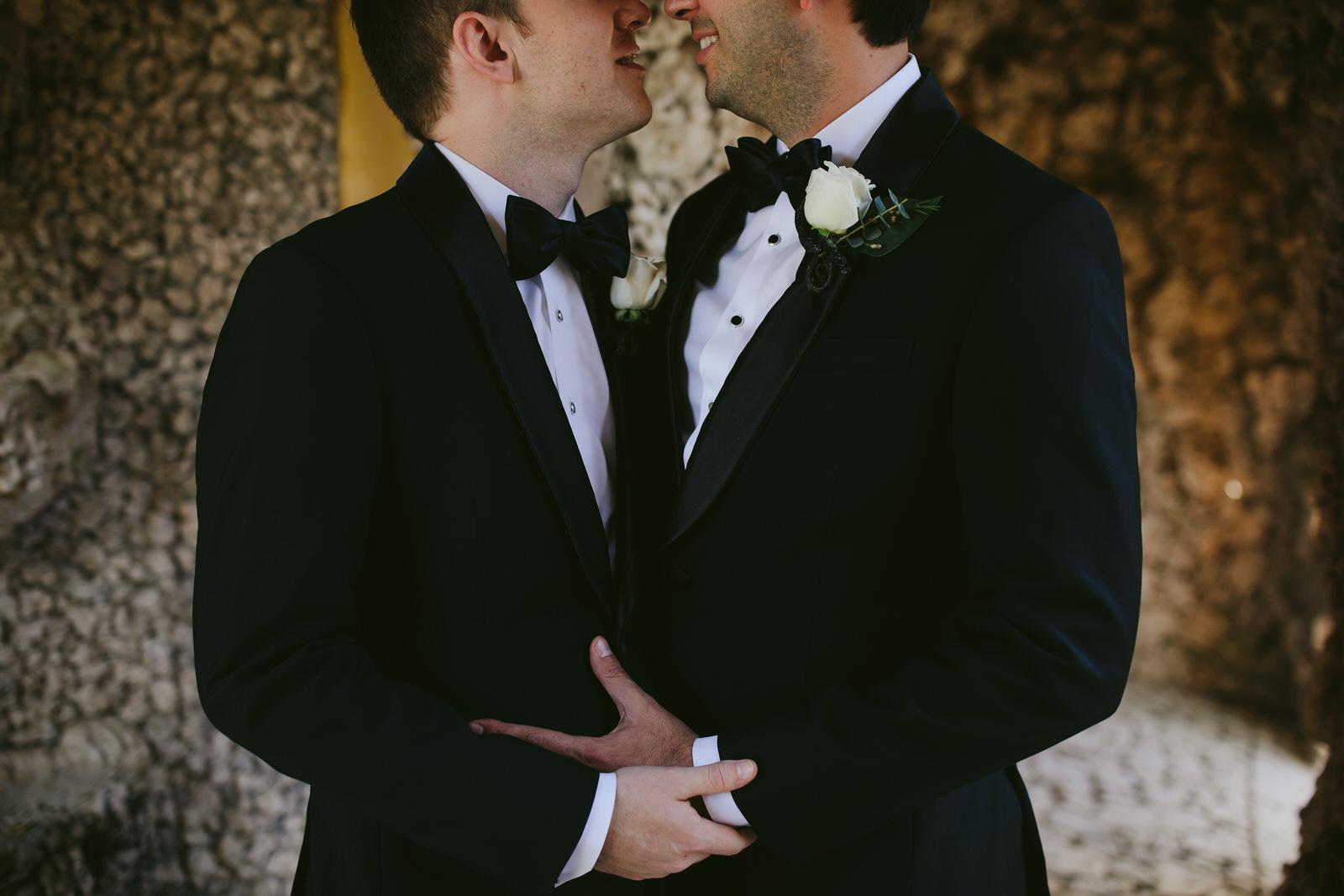 vizcaya_elopement_intimate_wedding_portraits_tiny_house_photo-21.jpg