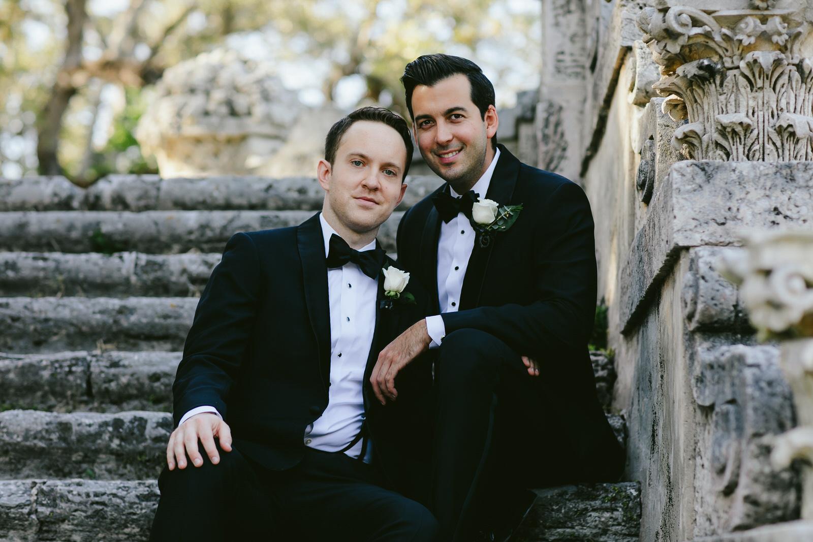 vizcaya_elopement_intimate_wedding_portraits_tiny_house_photo-59.jpg