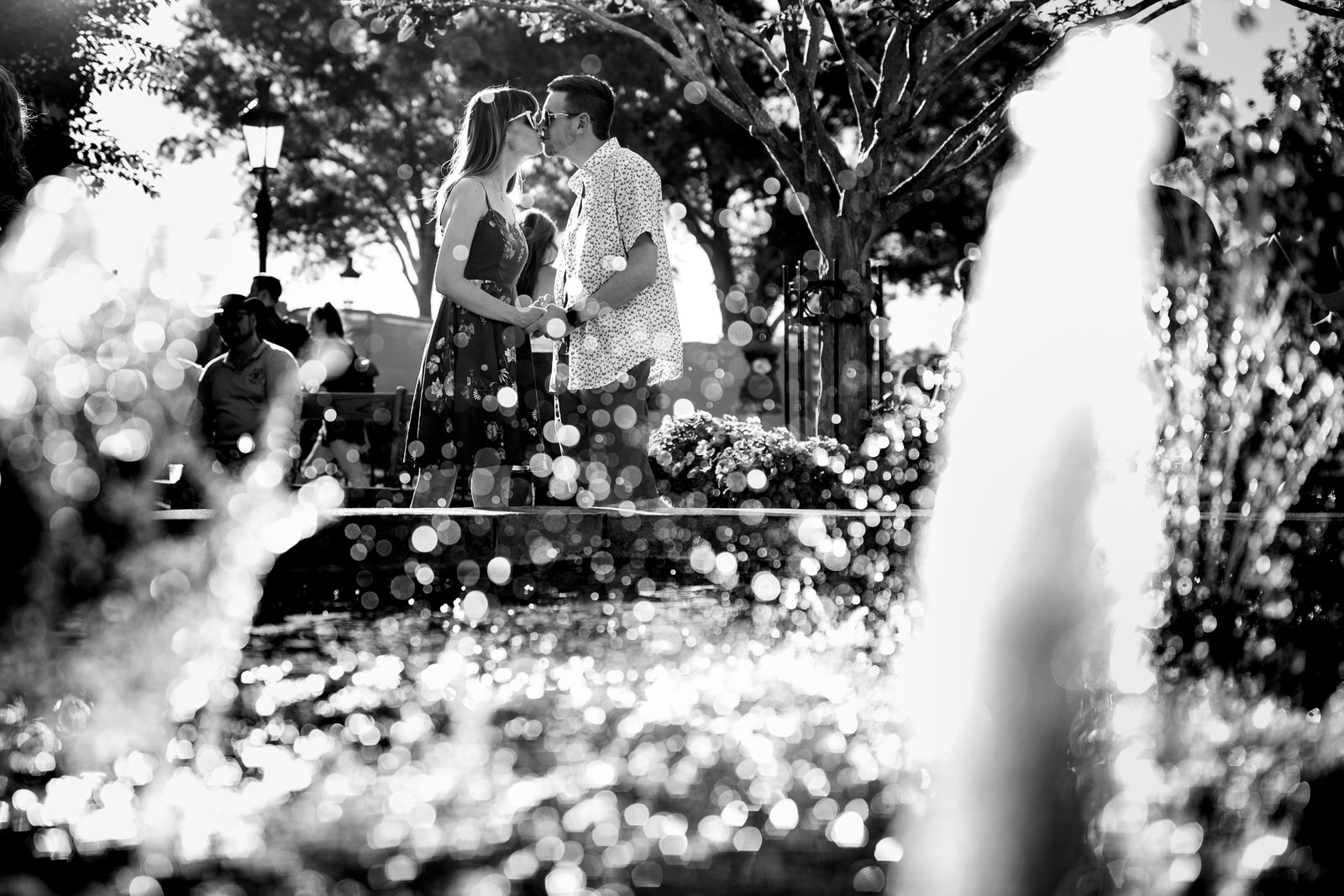 Adorable-Engagement-Session-Epcot-Orlando-Tiny-House-Photo-Wedding-Photographer-black-and-white-fountain.jpg