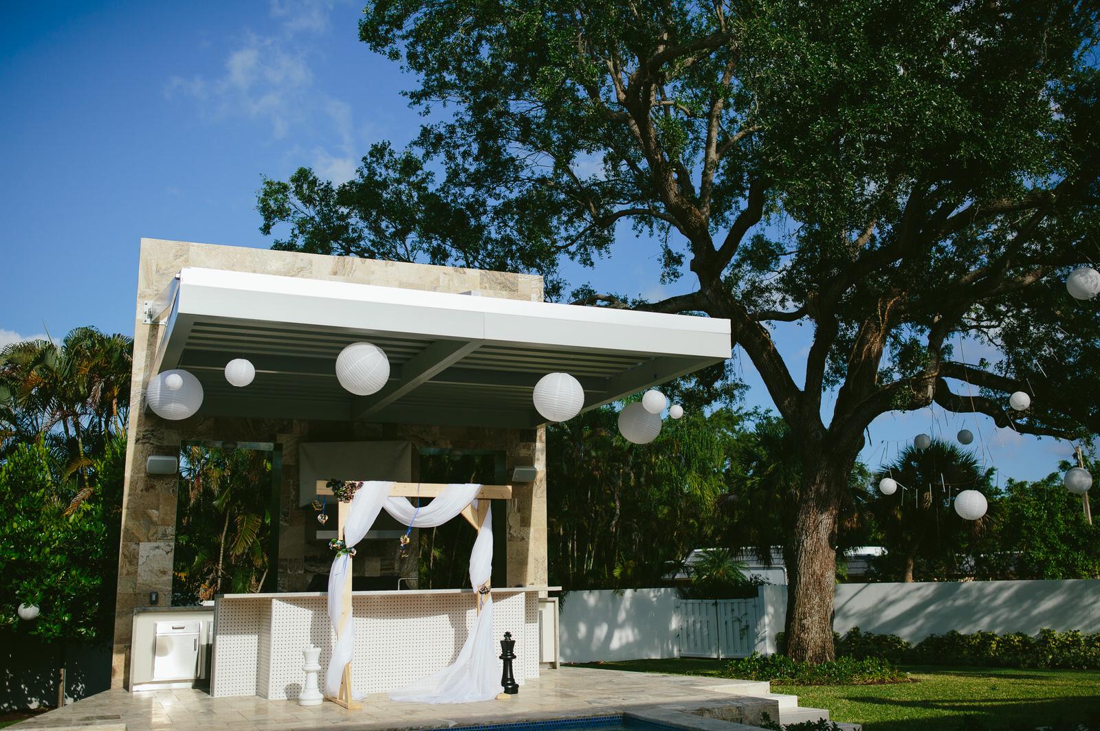 backyard-wedding-ceremony-tiny-house-photo.jpg