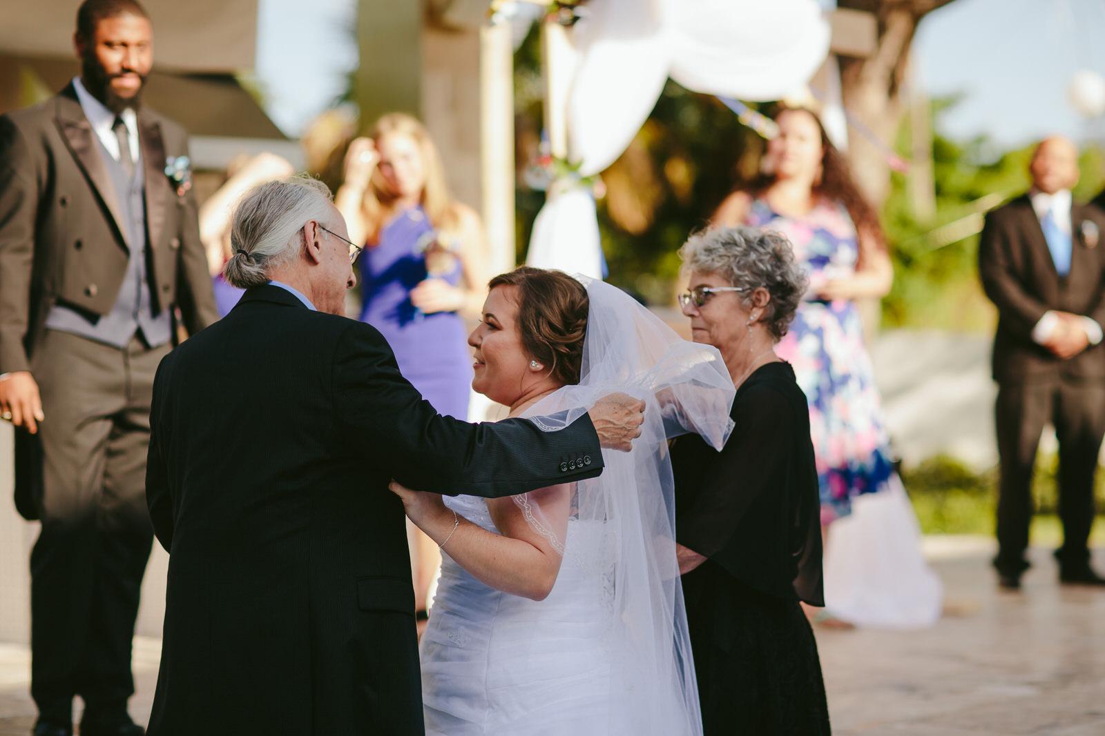 florida-wedding-moments-tiny-house-photo.jpg