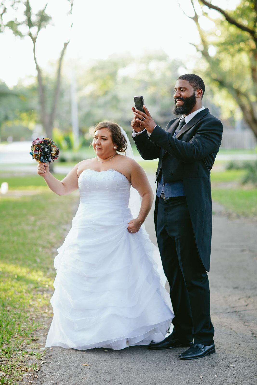 bride-and-groom-funny-scene-moments-tiny-house-photo-florida-wedding-photographer.jpg