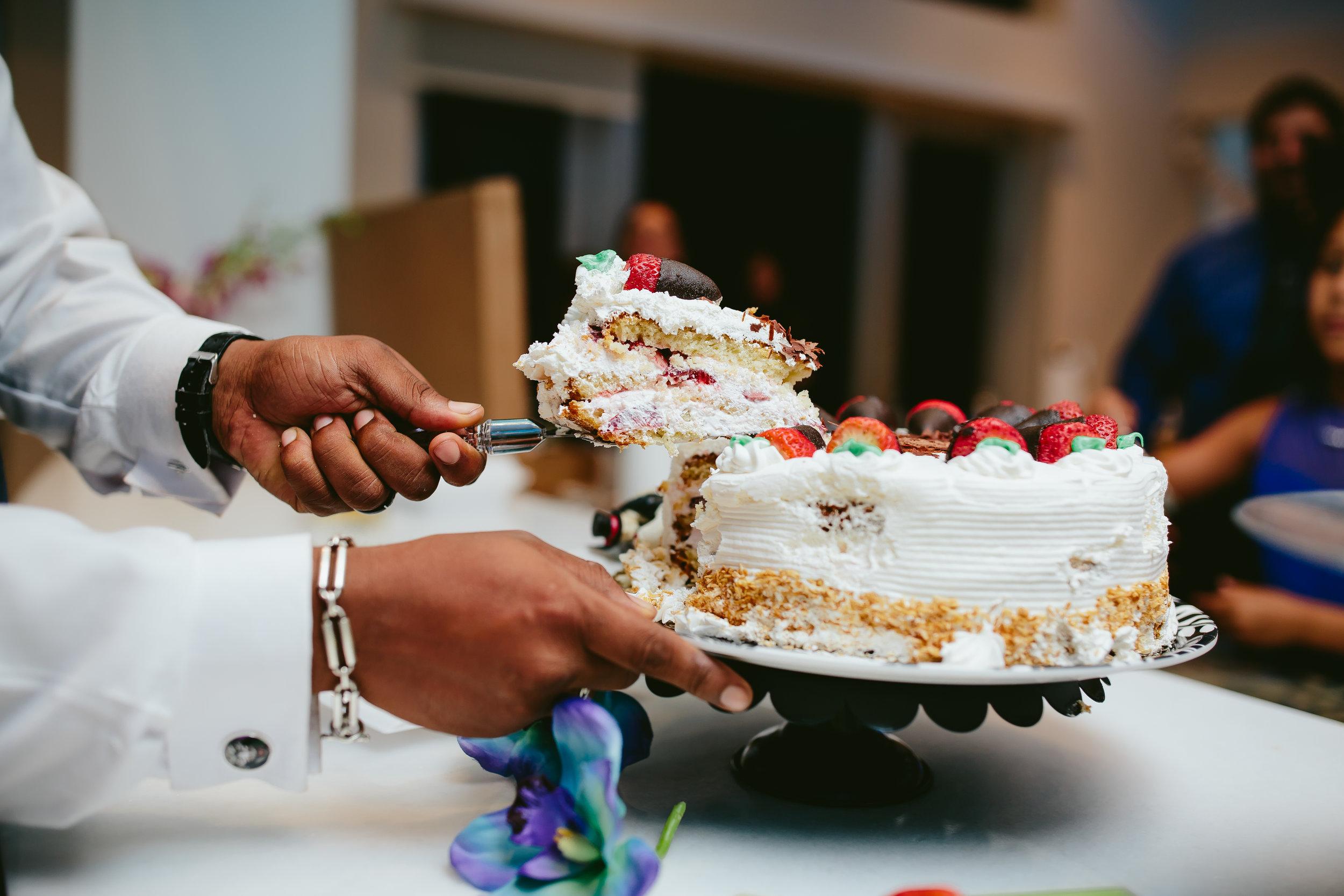wedding-cake-cutting-tiny-house-photo-south-florida-wedding-photographer.jpg
