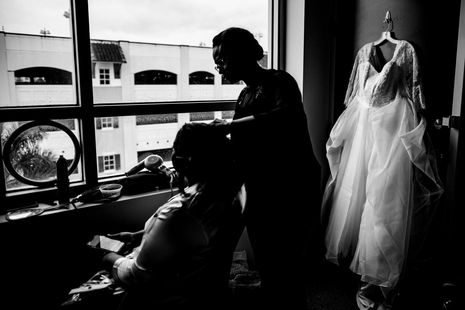 getting-wedding-ready-bride-dress-hair-hotel-south-florida-tiny-house-photo.jpg