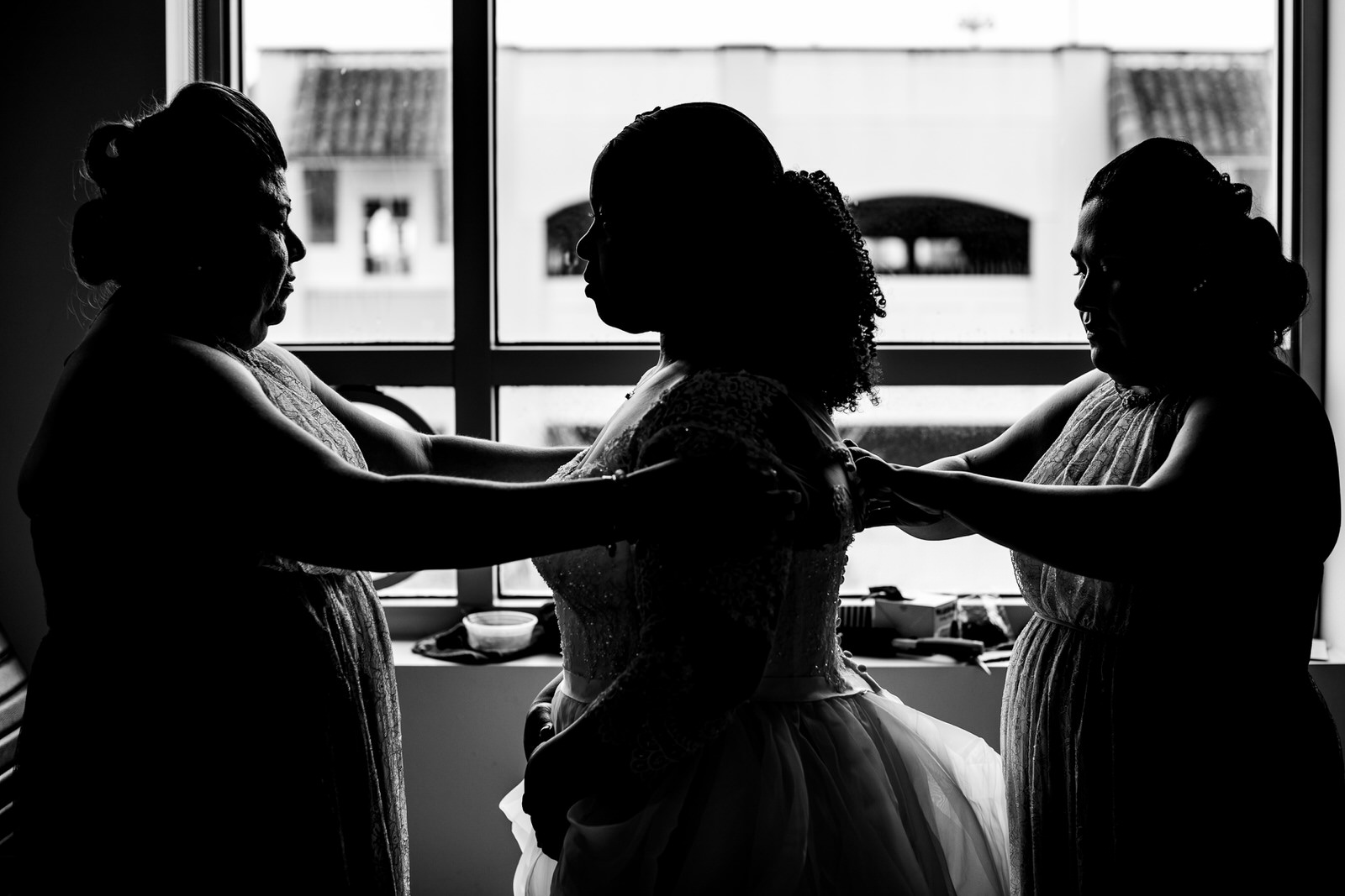 black-and-white-wedding-photgoraphy-photojournlism-moments-documentary.jpg