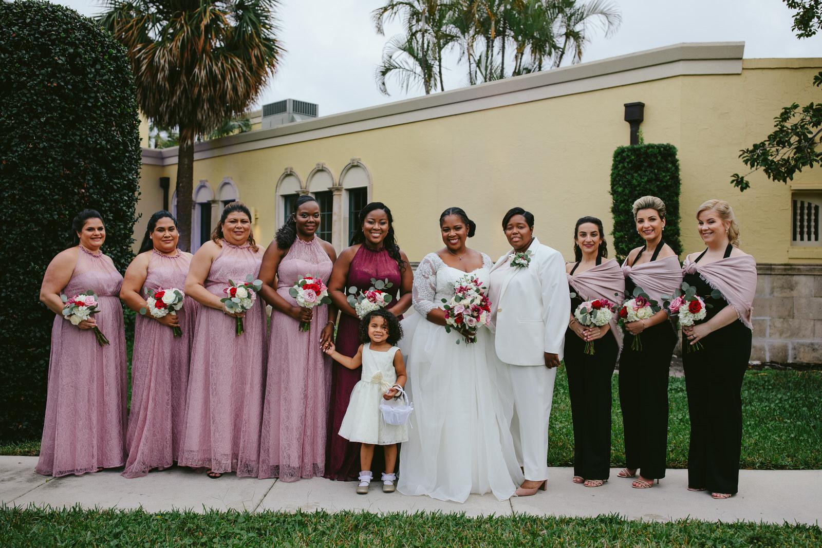 Benvenuto_Wedding_Tiny_House_Photo_Wedding_Party_Outside.jpg