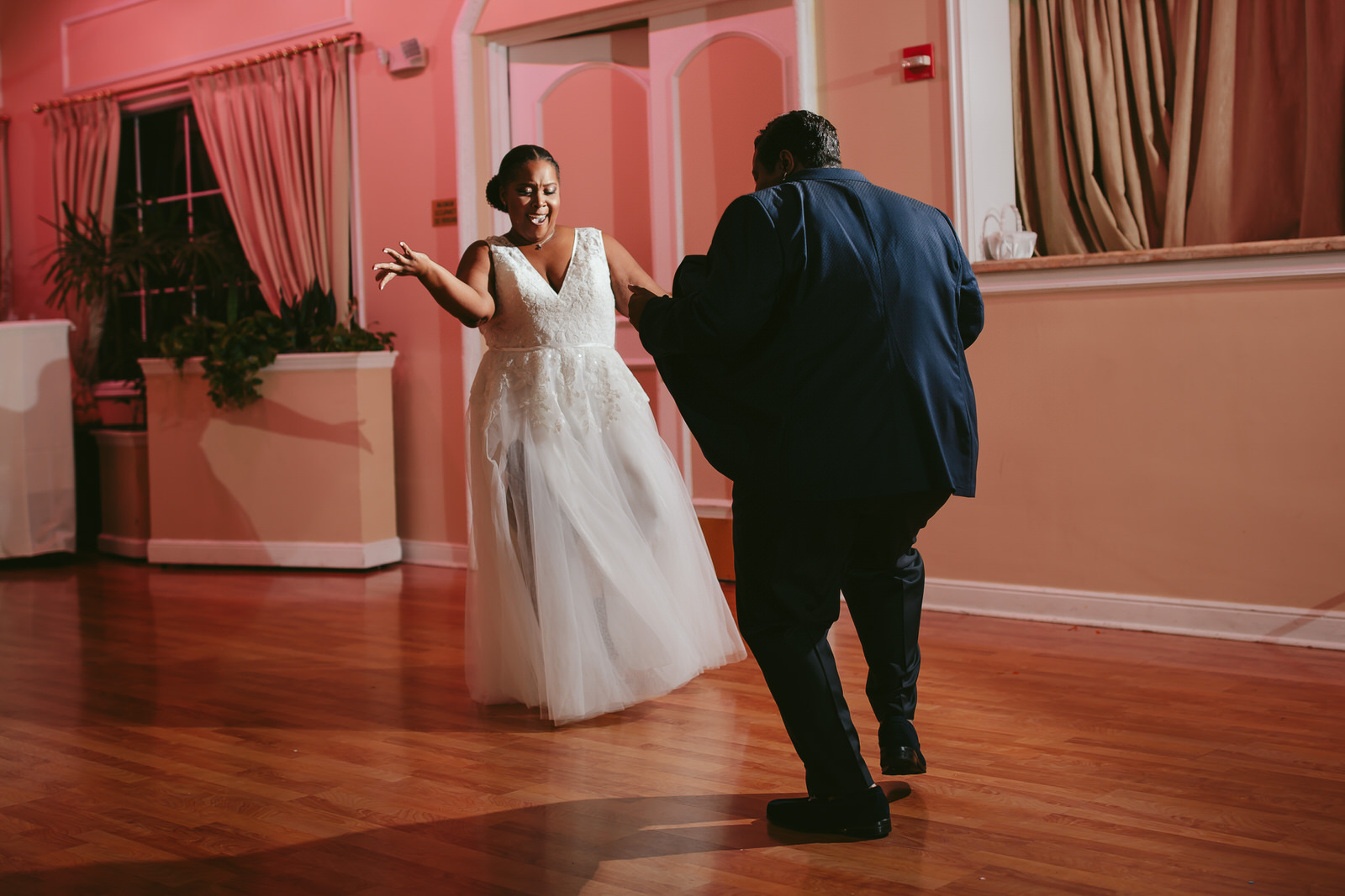 Bride_Entrance_Benvenuto_Wedding_Party_Fun_Dancing_Tiny_House_Photo.jpg