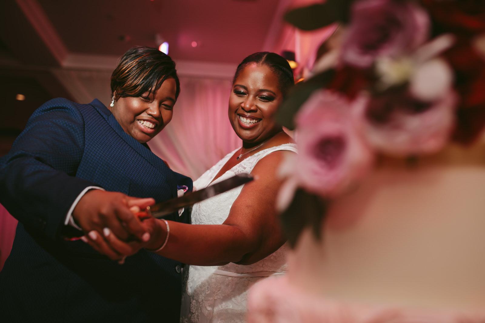 Cake_Cutting_Benvenuto_Wedding_Reception_Tiny_House_Photo.jpg