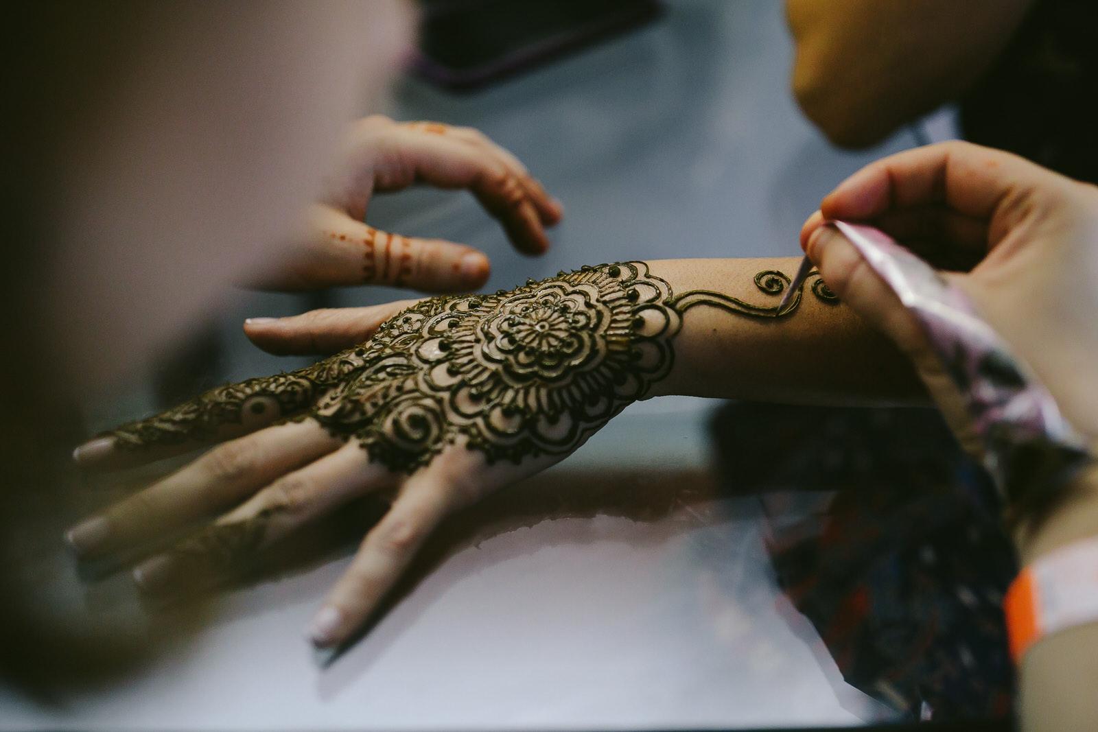 central-florida-wedding-photographer-tiny-house-photo-henna-ceremony.jpg