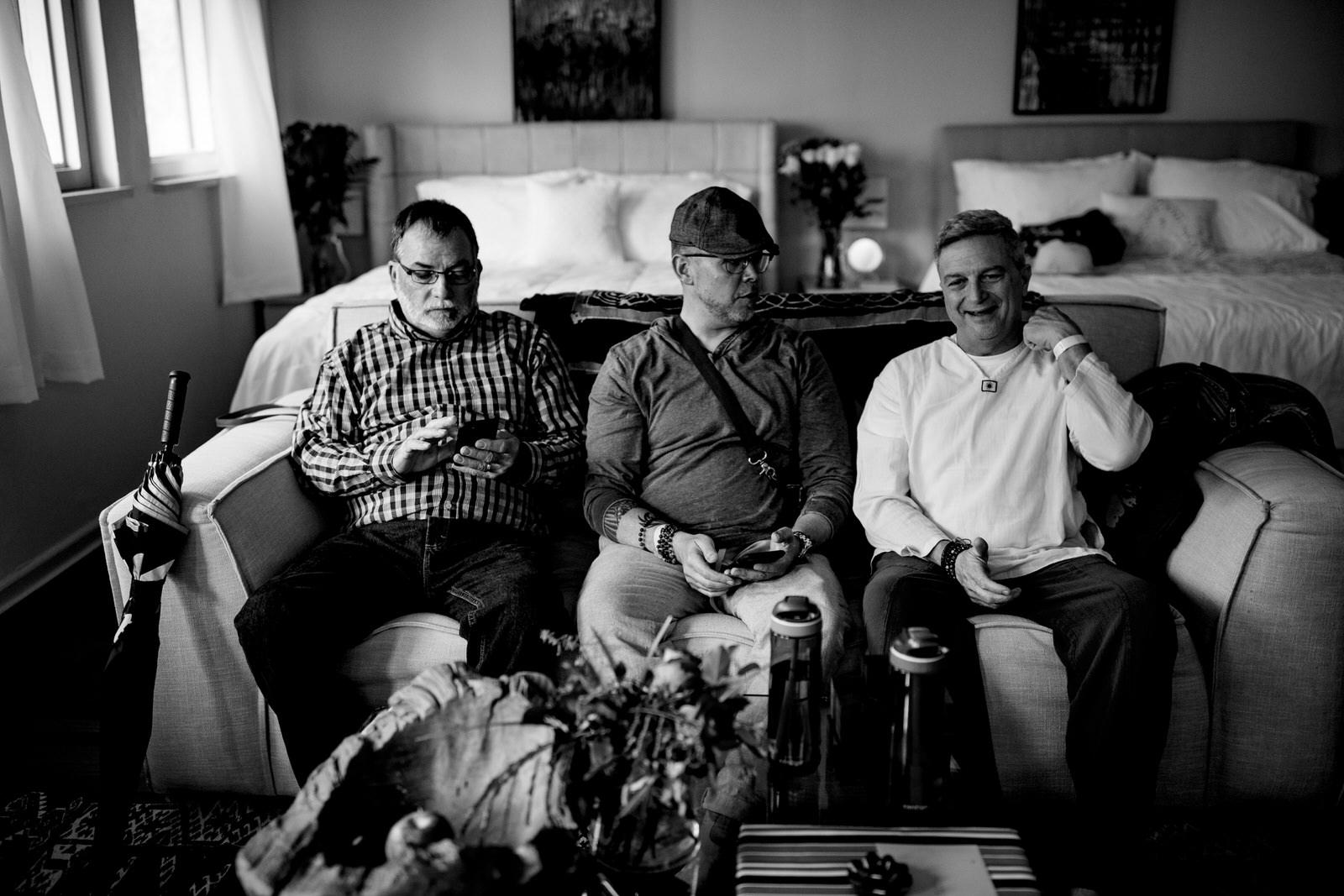 the-guys-relaxing-kashi-asharam-tiny-house-photo-central-florida-wedding-photographer
