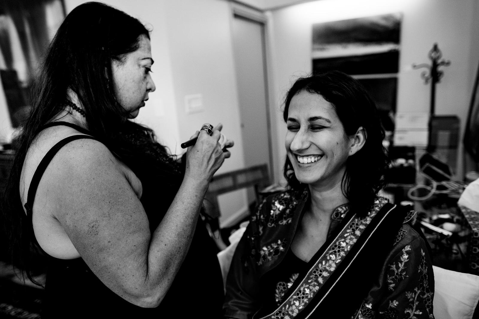 makeup-getting-ready-saturday-kashi-ashram-tiny-house-photo-orlando-wedding-photographer