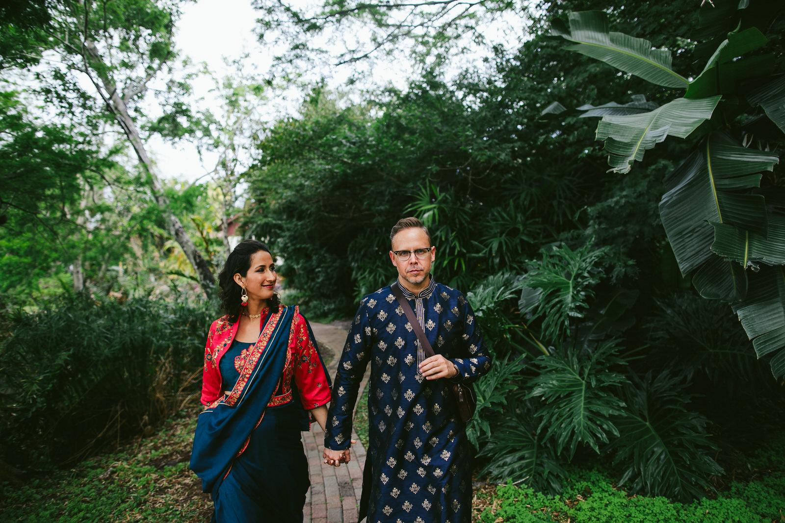 kashi-couple-saris-wedding-weekend-tiny-house-photo