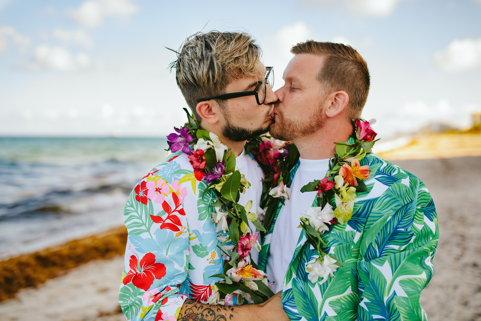 fort-lauderdale-beach-elopement-tiny-house-photo-grooms-kissing.jpg