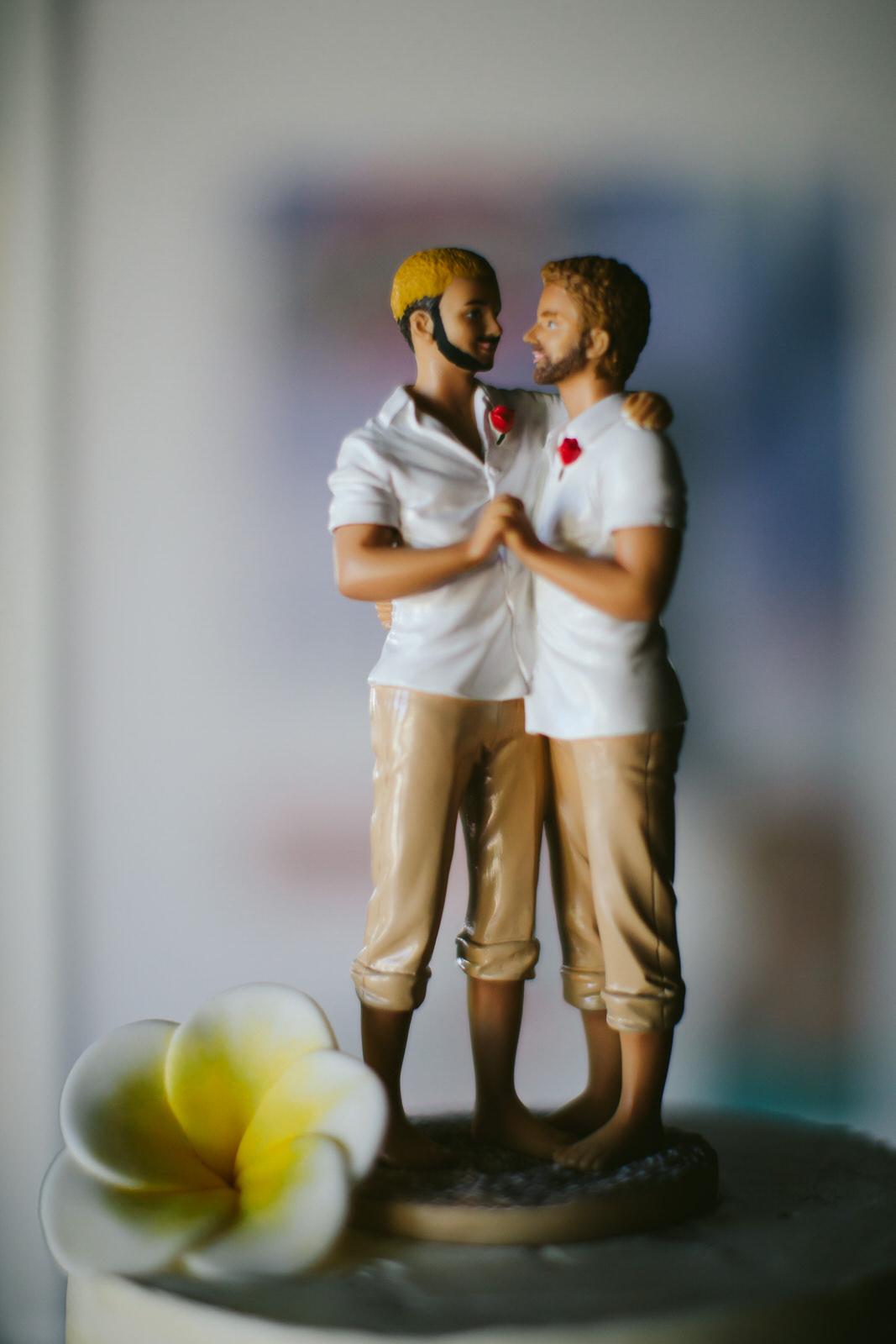 elopement-party-the-pub-wilton-manors-tiny-house-photo-florida-wedding-photographer-1.jpg