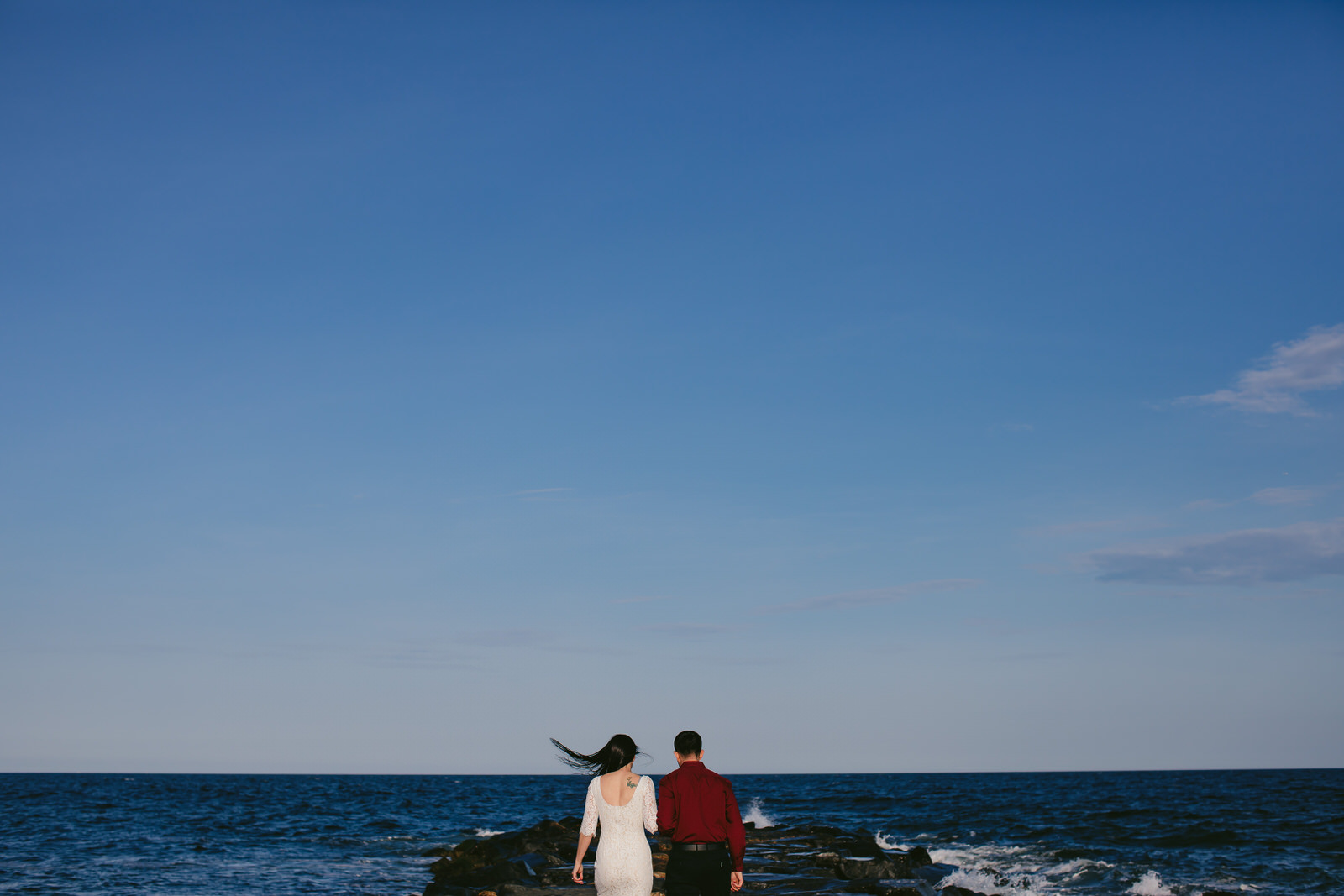 engagement-portraits-asbury-park-tiny-house-photo-beach-ocean-romanticjpg