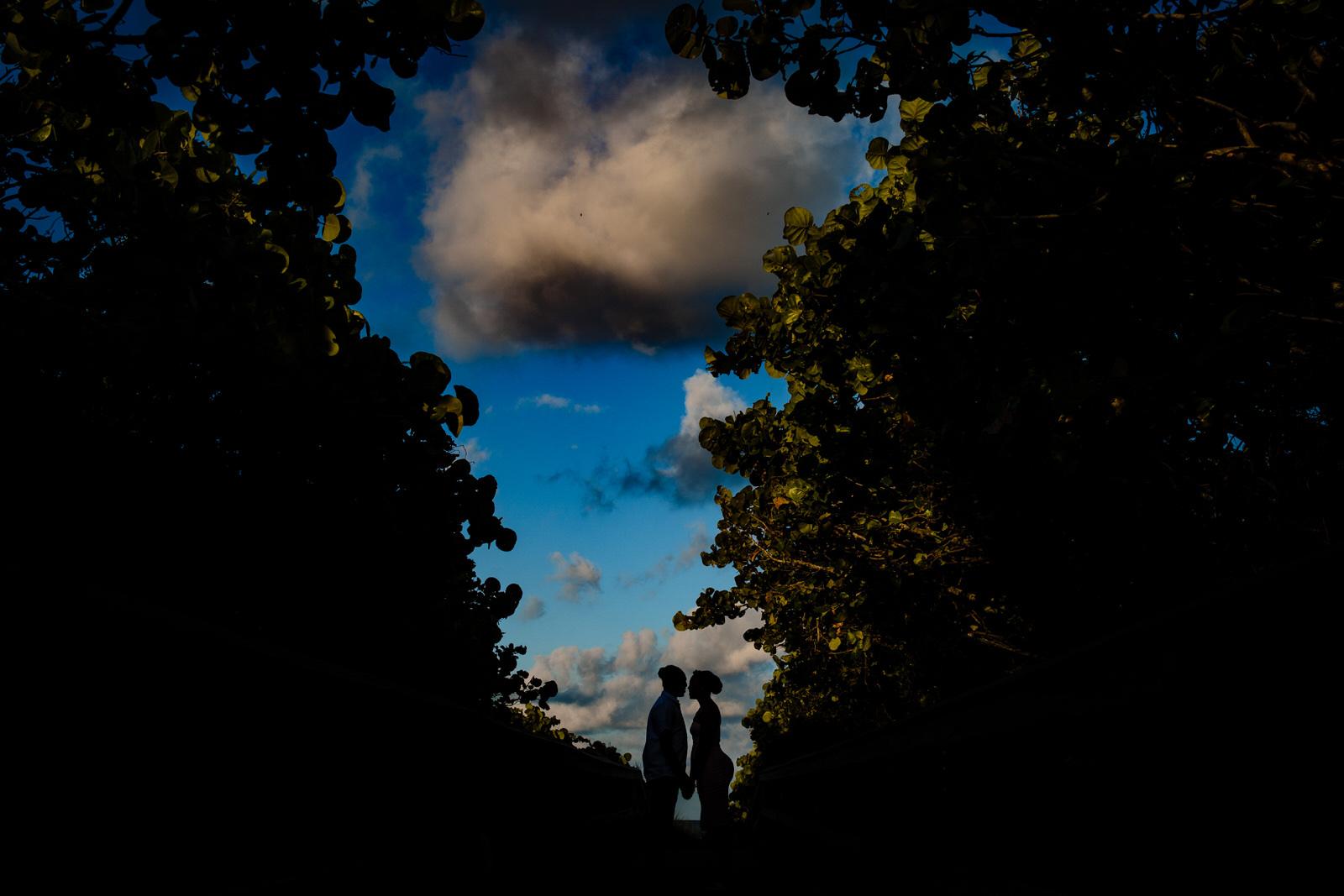 beachy-engagement-portraits-fort-lauderale-tiny-house-photo-wedding-photographer-1.jpg