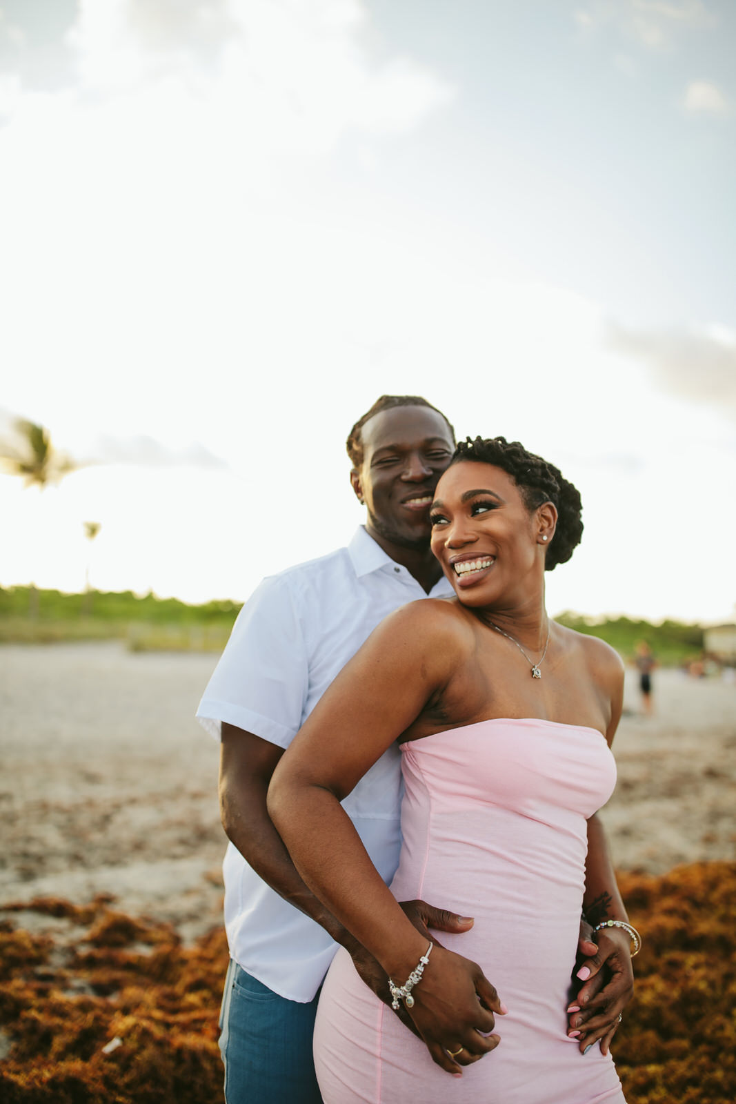 beachy-engagement-portraits-fort-lauderale-tiny-house-photo-wedding-photographer-9.jpg