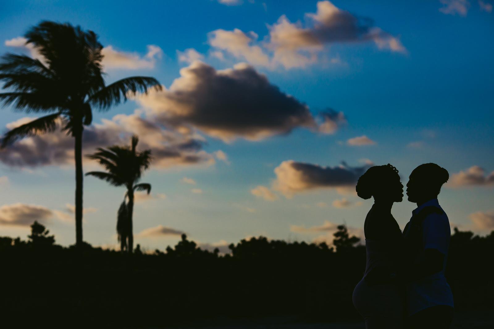 beachy-engagement-portraits-fort-lauderale-tiny-house-photo-wedding-photographer-69.jpg