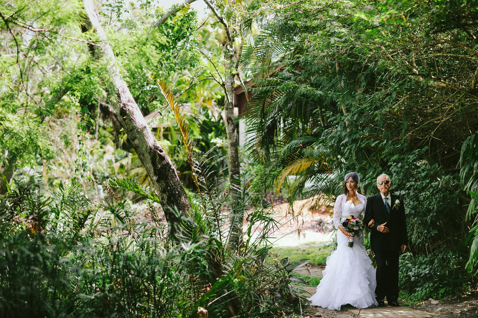 kashi-ashram-wedding-sebastian-florida-tiny-house-photo-400.jpg