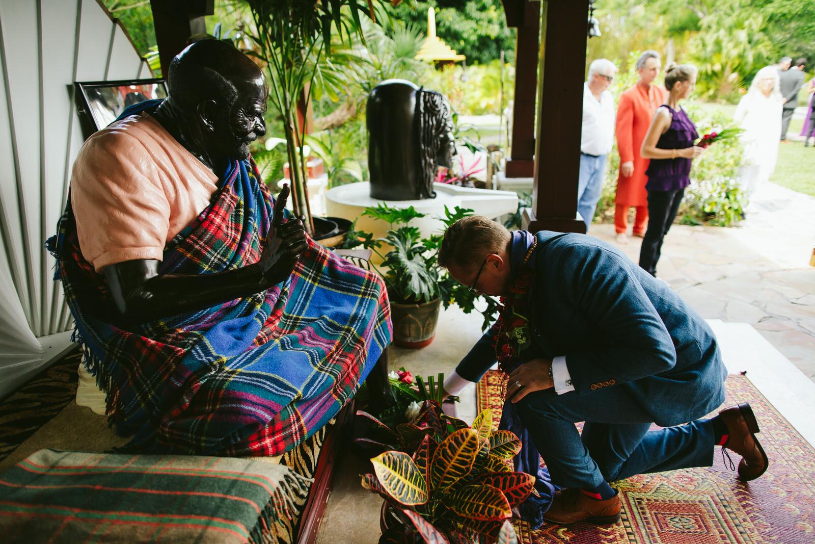 spiritual-ritual-bow-kashi-ashram-wedding-ceremony.jpg