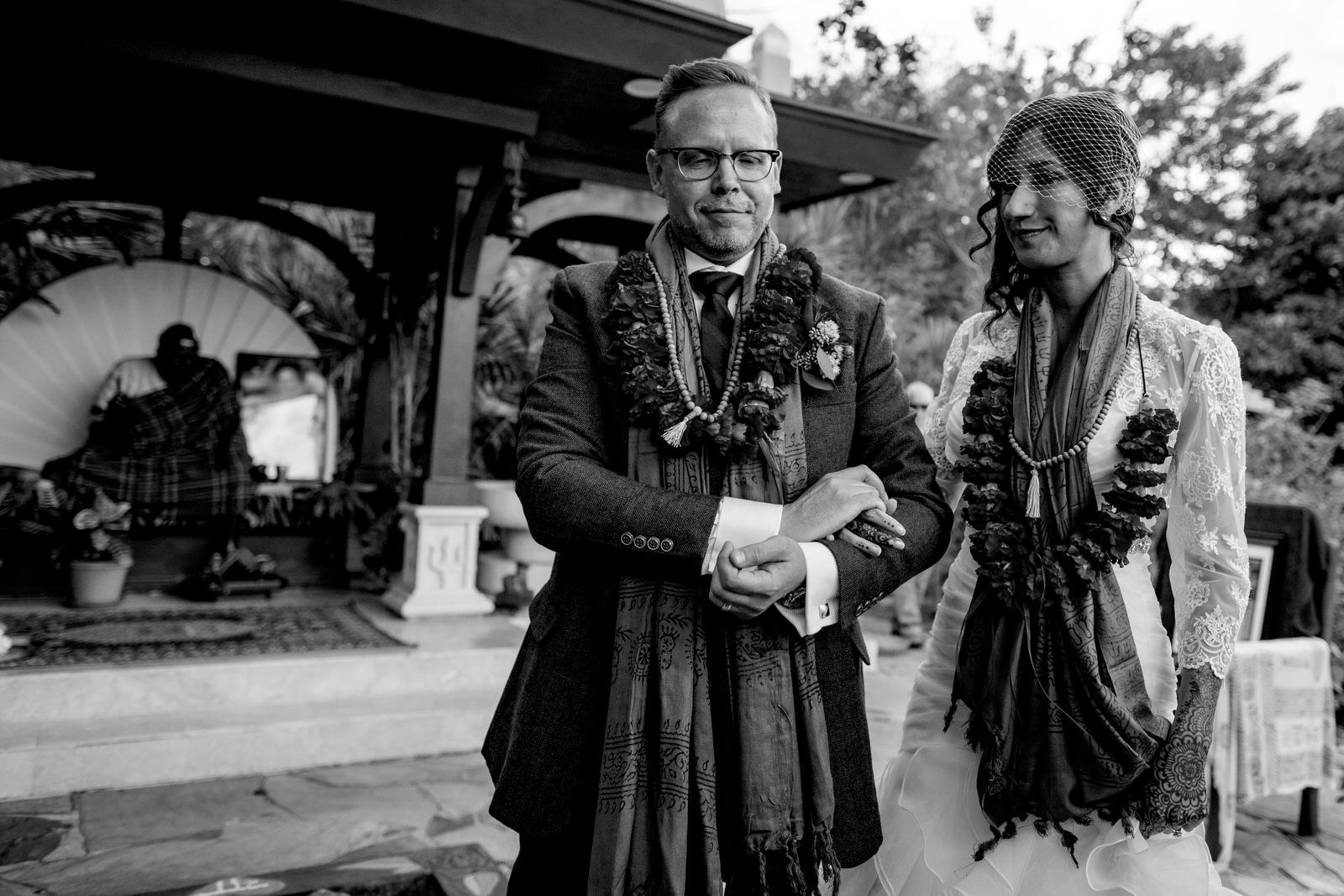 kashi-ashram-wedding-ceremony-black-and-white-emotional-ritual-ceremony.jpg