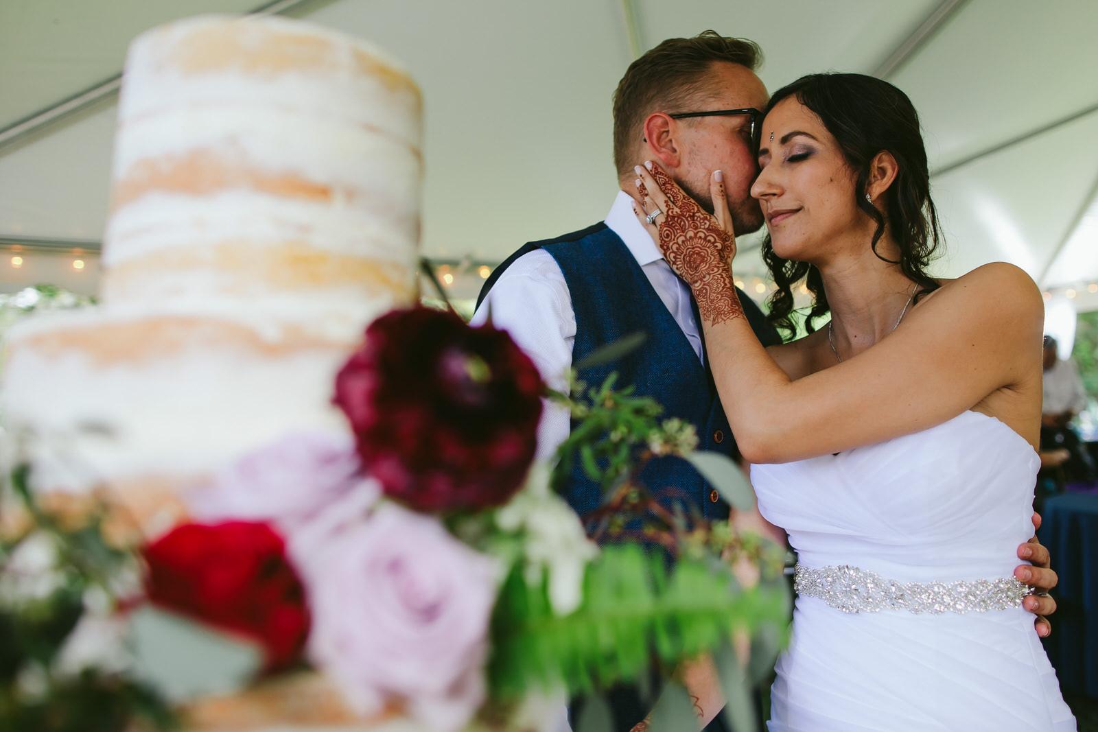 kashi-wedding-reception-tiny-house-photo-bride-groom-cake.jpg