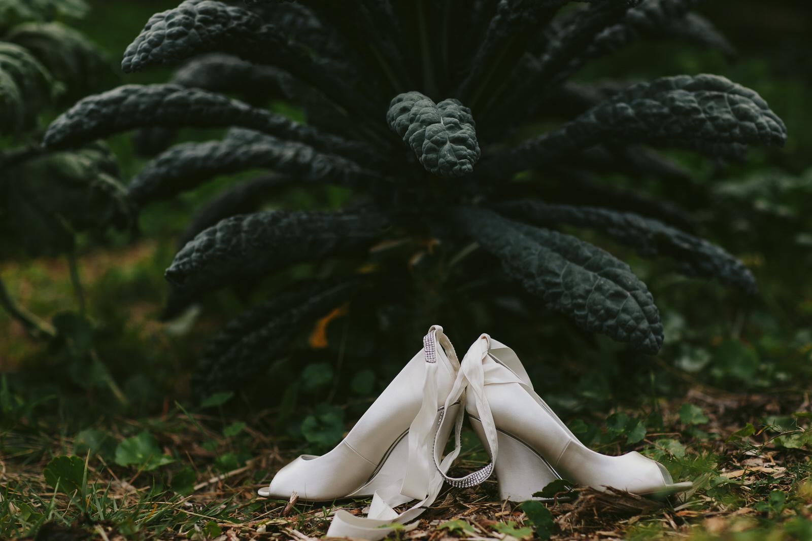 wedding-details-brides-shoes-kale-garden-kashi-ashram-wedding.jpg