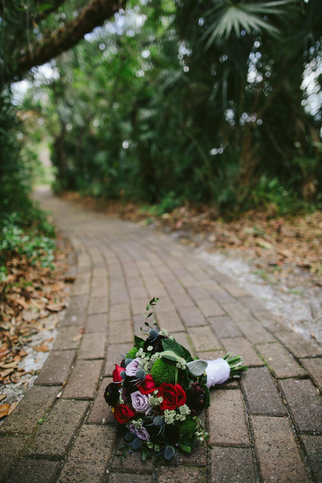 wedding-details-bride-bouquet-kashi-wedding.jpg