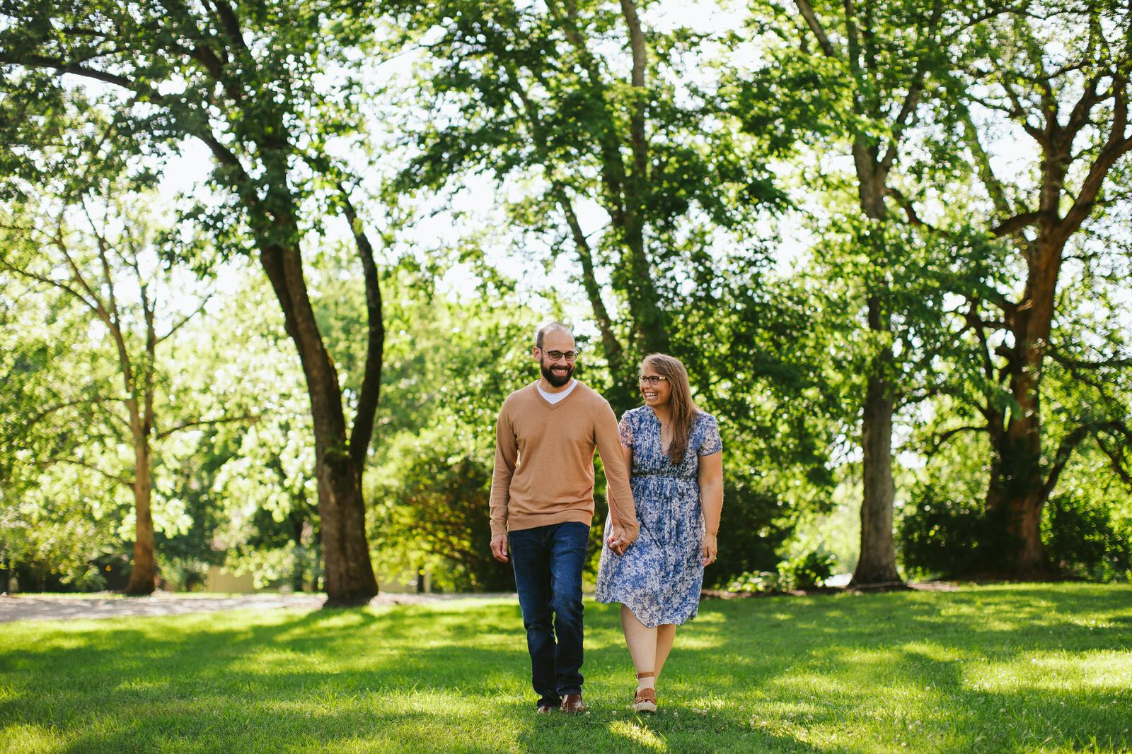 nashville-backyard-proposal-engagement-portraits-tiny-house-photo.jpg