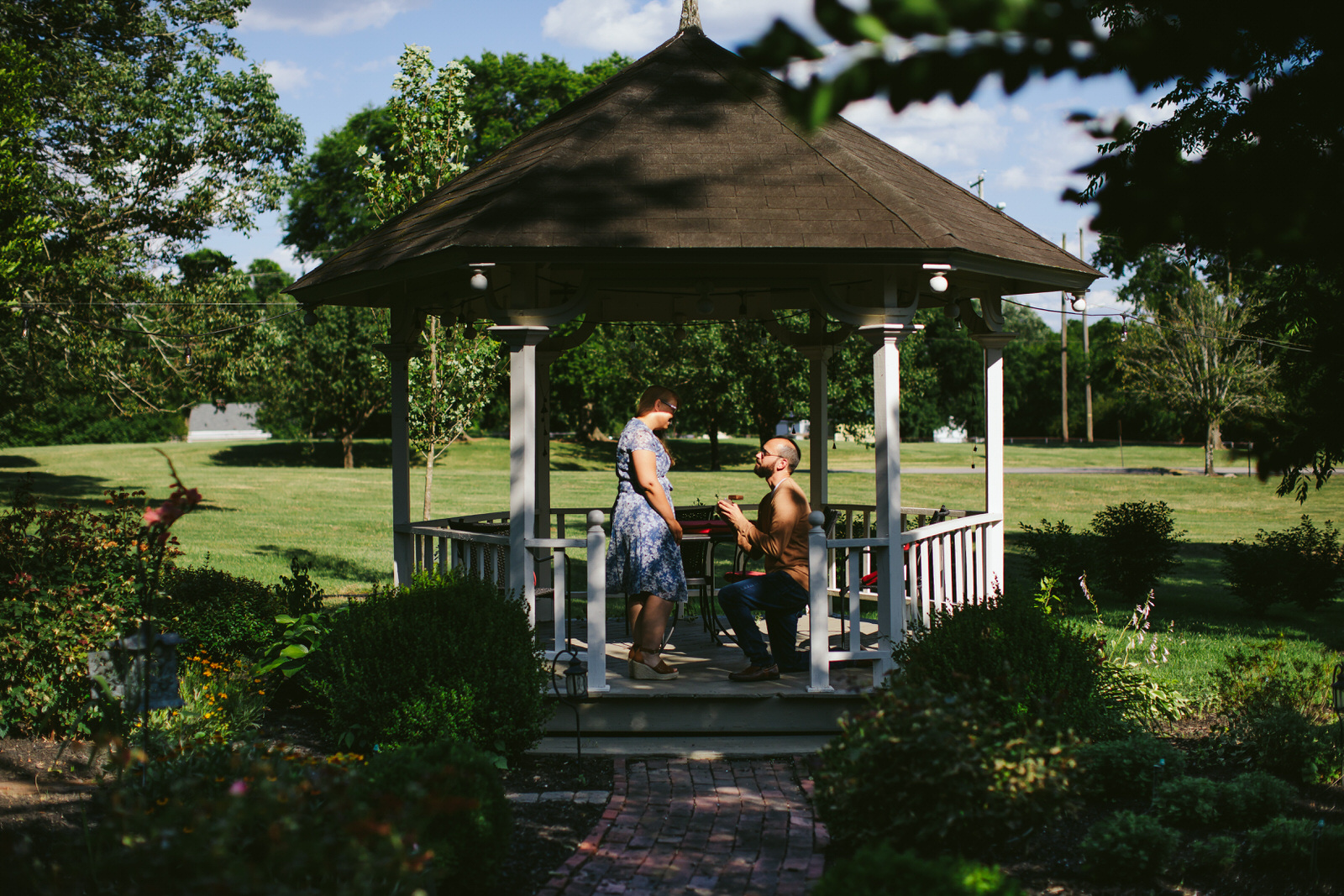 Nashville_TN_Proposal_Florida_Wedding_Photographer_Tiny_House_Photo_Gazebo_Garden