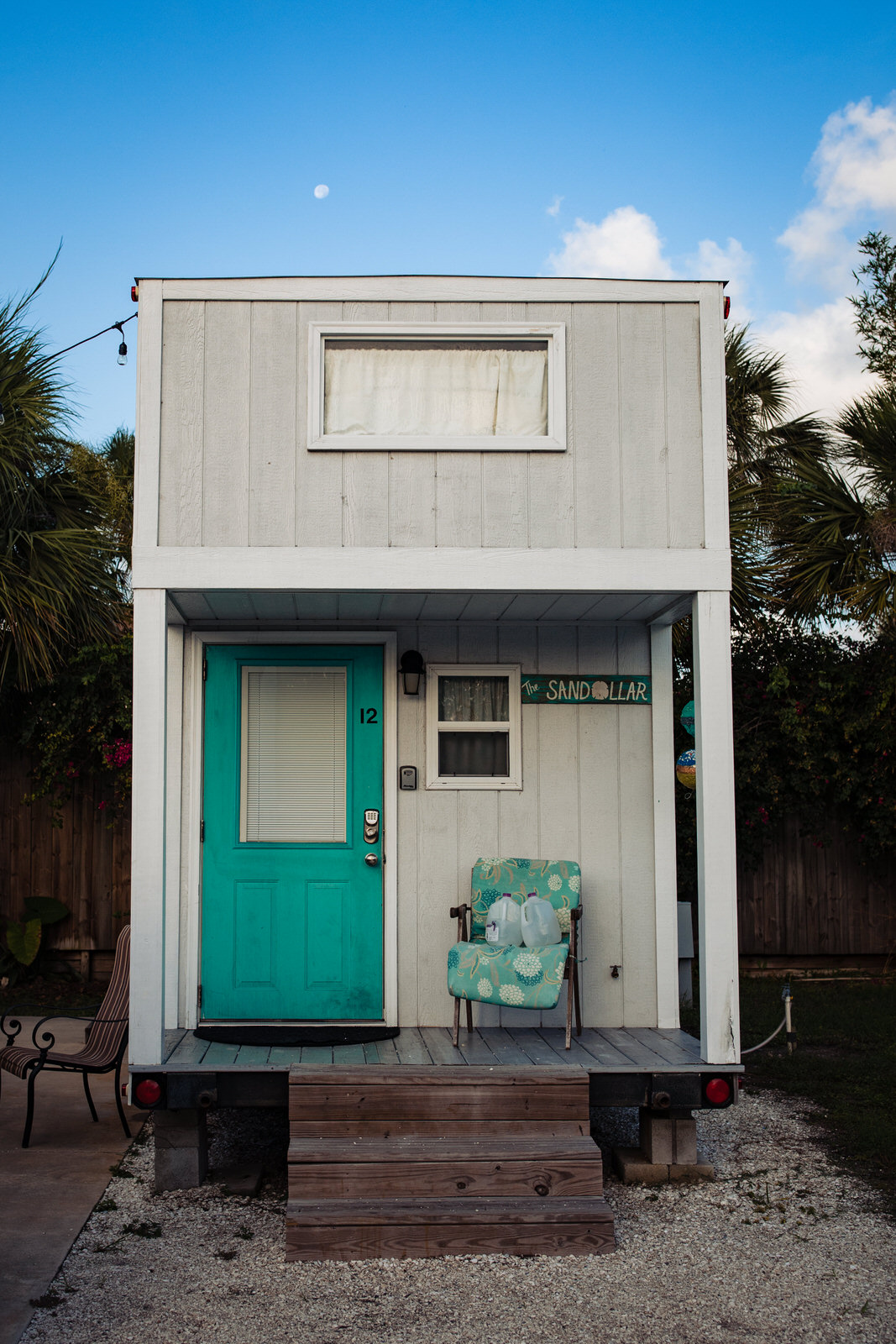 siesta-key-florida-tiny-house-photo-vacation-beach-nature-macro-3.jpg