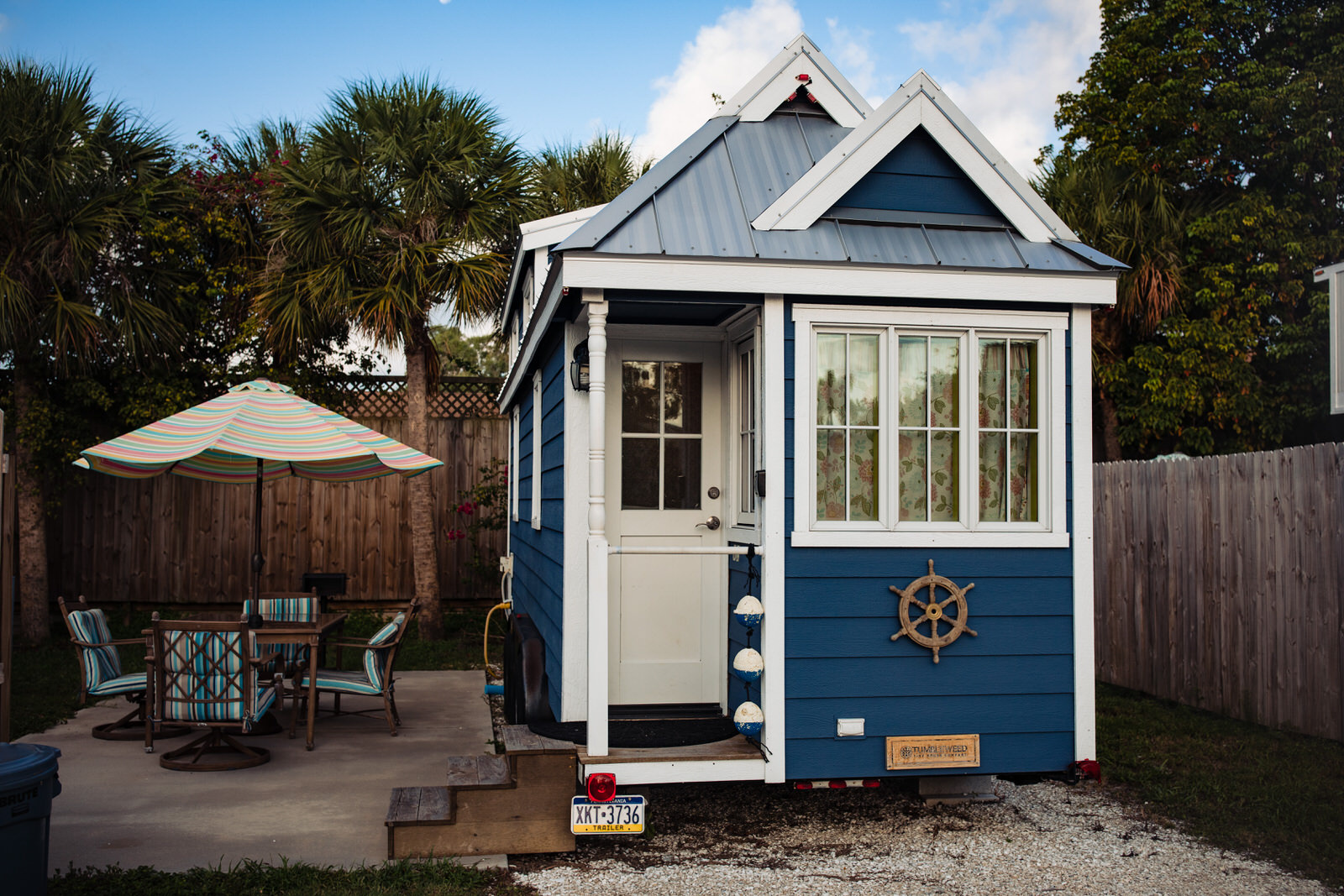 siesta-key-florida-tiny-house-photo-vacation-beach-nature-macro-5.jpg
