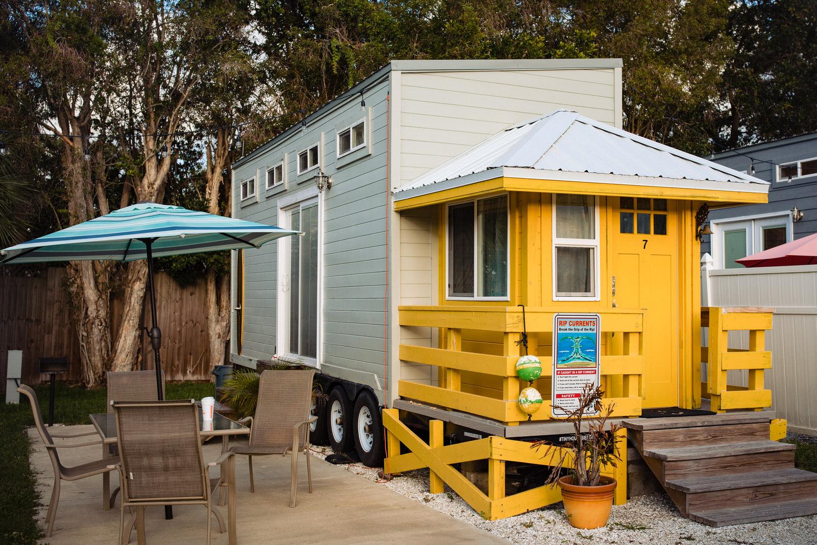 siesta-key-florida-tiny-house-photo-vacation-beach-nature-macro-1.jpg