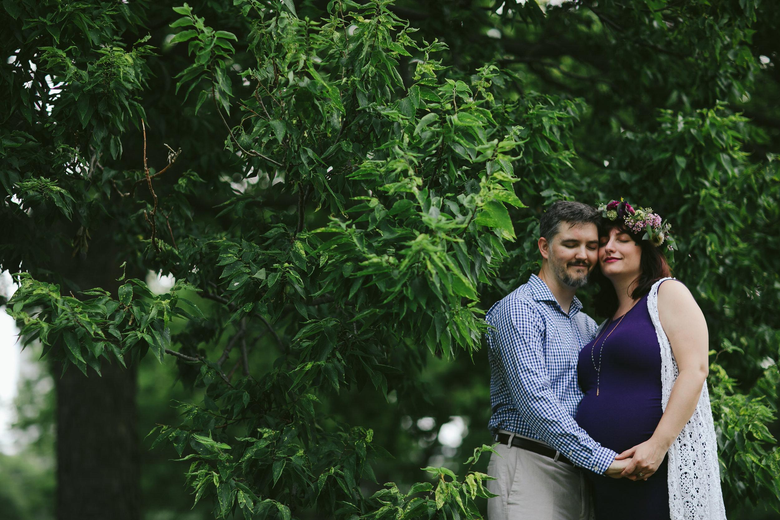 Edgewater Chicago Pregnancy Portraits Tiny House Photo.jpg