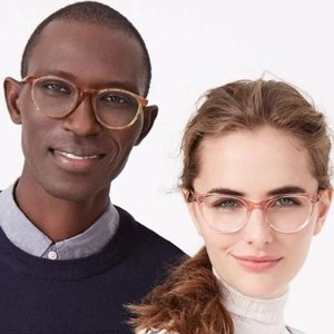 Warby Parker (USA)