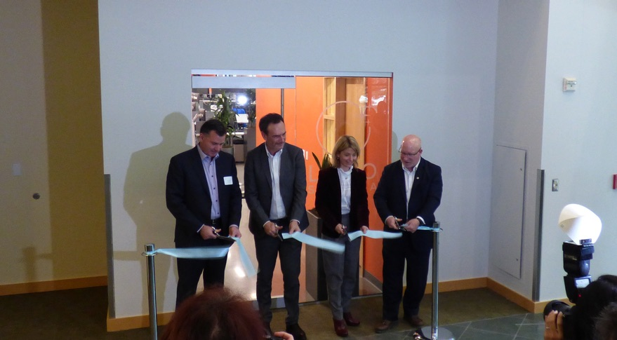 leostella-ribboncutting.jpg