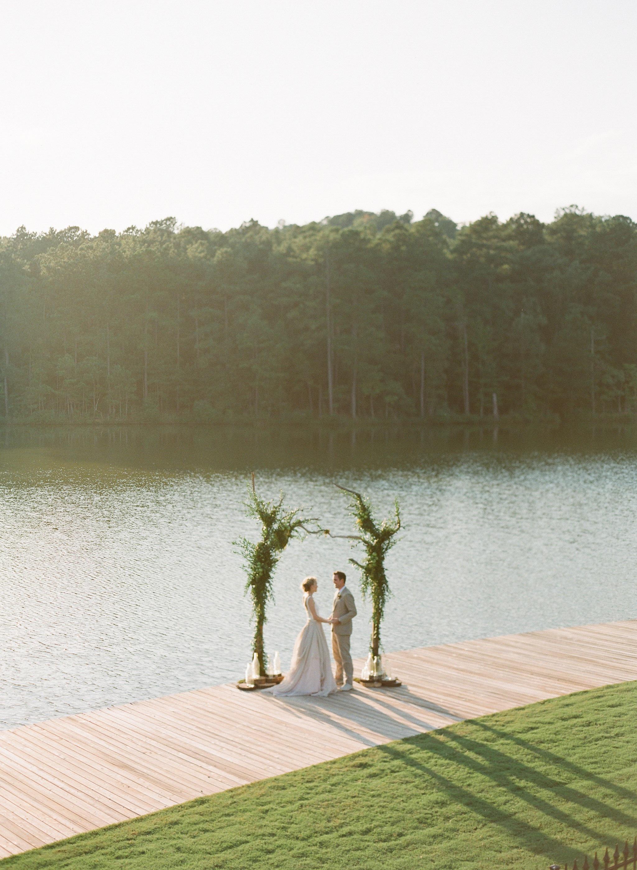 Simply-Charming-Socials_Atlanta-Wedding-Planner_Styled-Photo-Shoot_Modern-Luxury-Brides_Buffy-Dekmar-Photography_Ginny-Branch_Foxhall-Sporting-Club_23.jpg